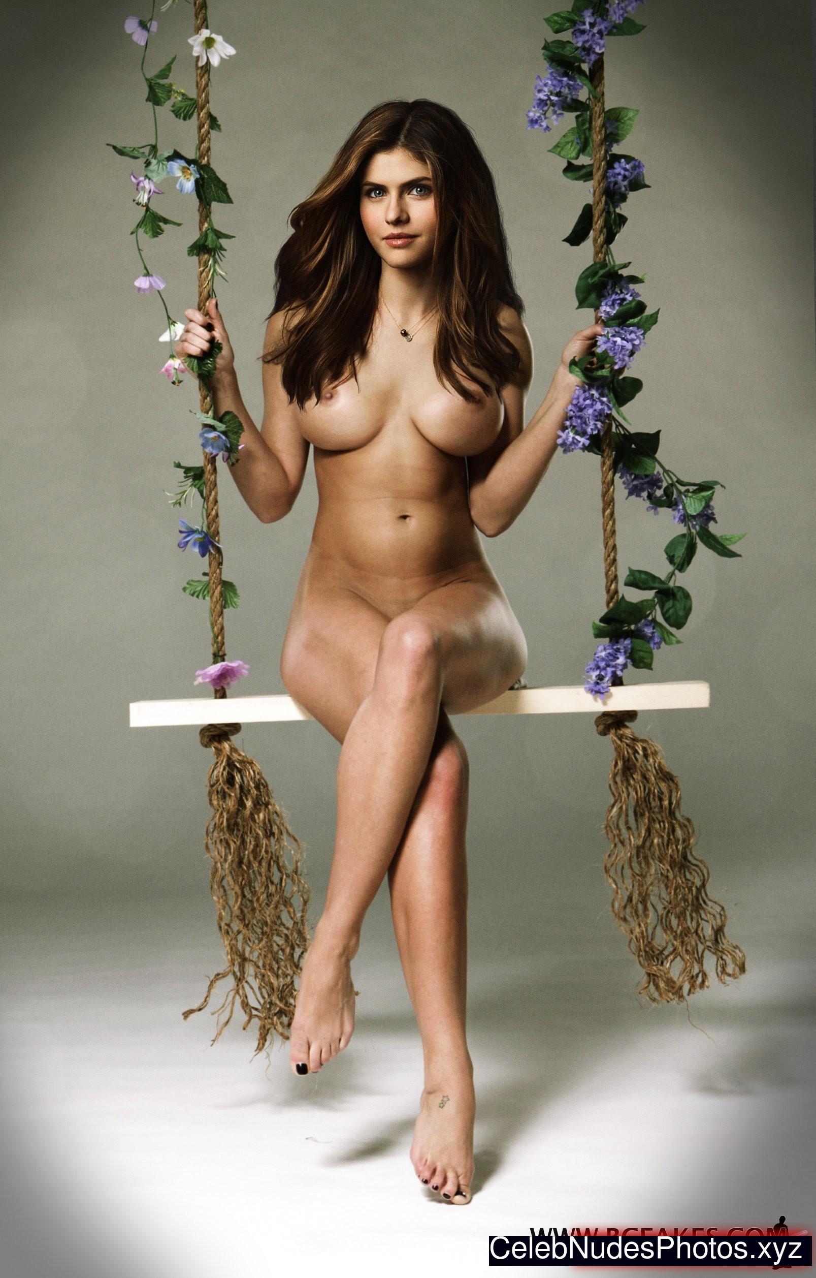 Alexandra daddario nuda