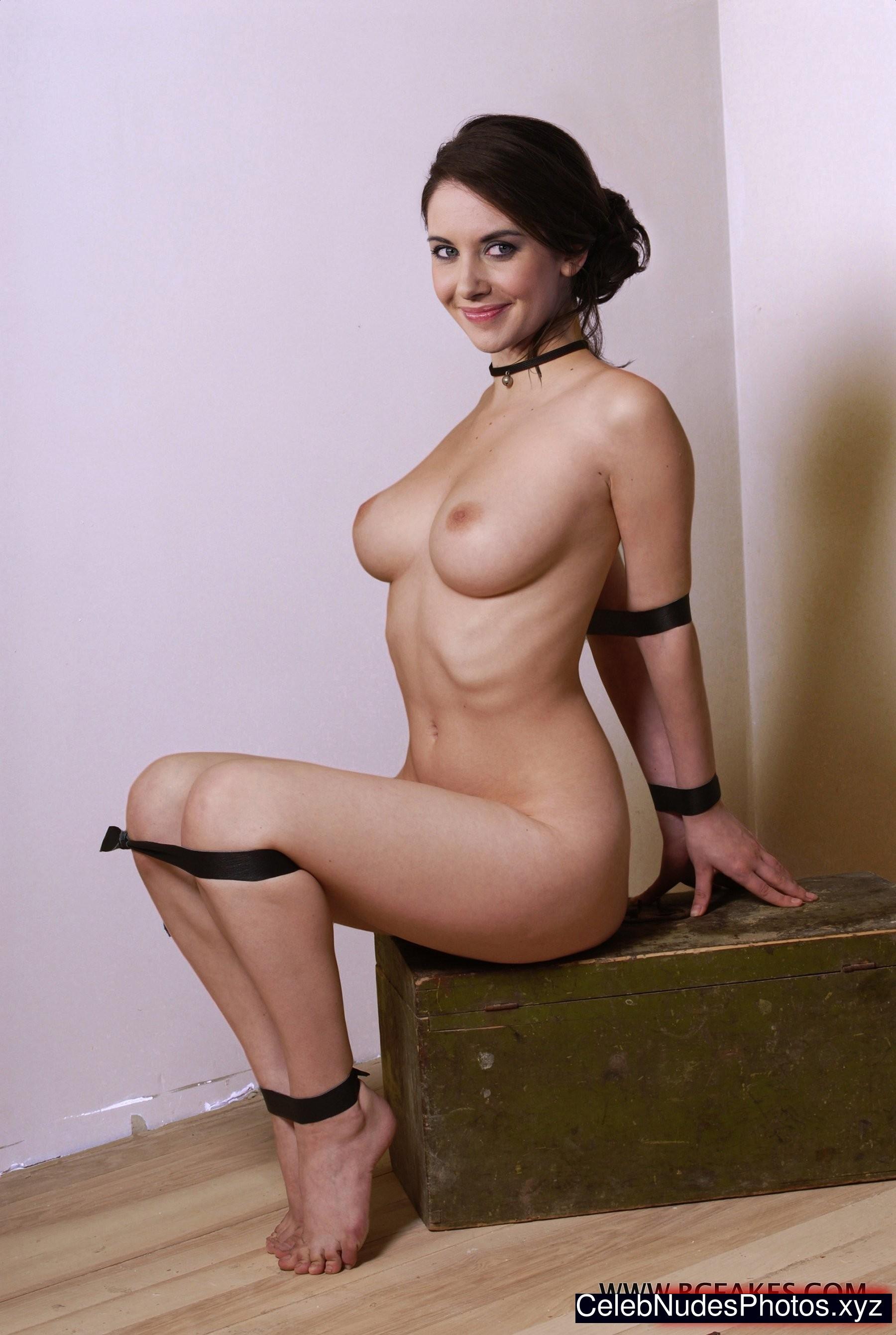 alison brie nudes