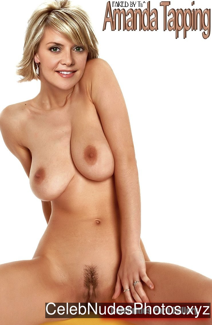 Amanda Tapping Nude Celebrity Picture sexy 20