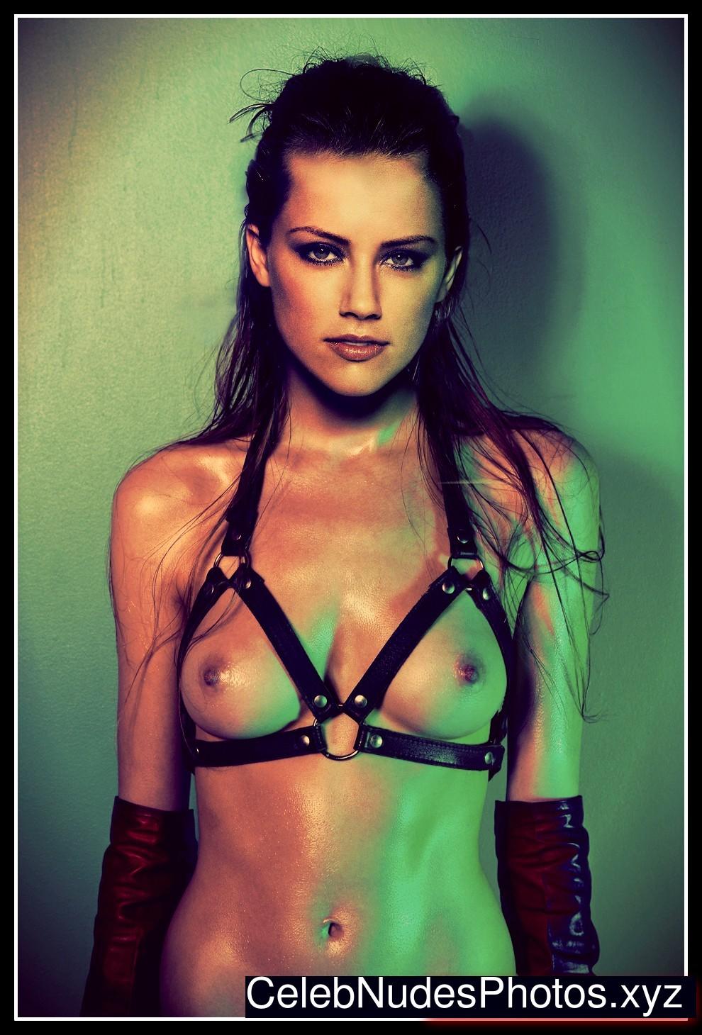 Amber Heard Nude Celeb Pic sexy 10