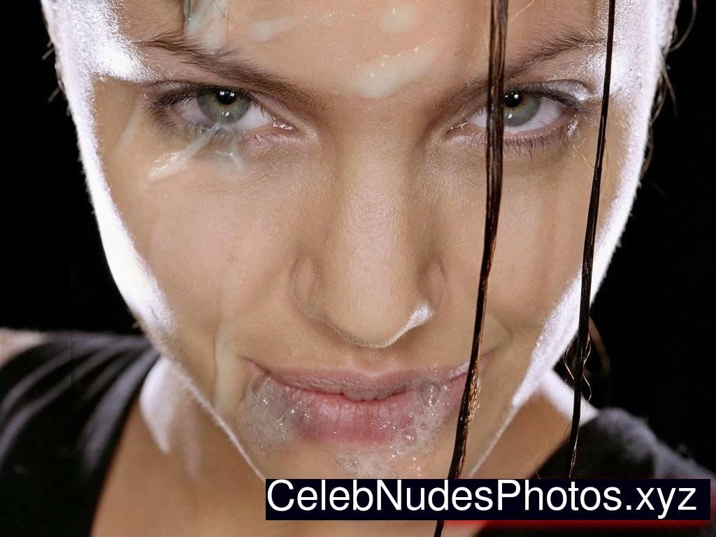 Angelina Jolie nude celebrity pics
