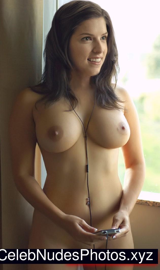 Anna Kendrick Celebrity Leaked Nude Photo sexy 7