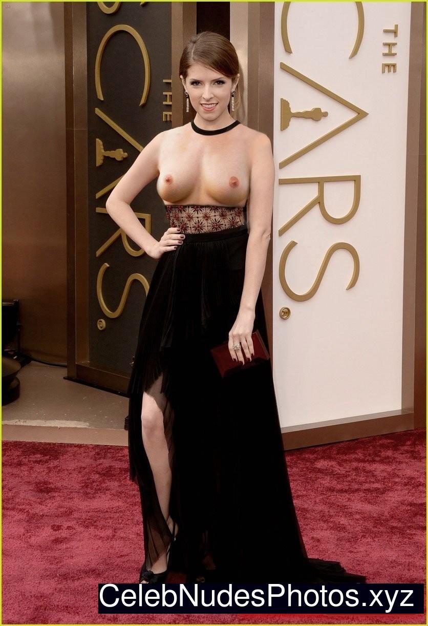 Anna Kendrick Celebrity Leaked Nude Photo sexy 23