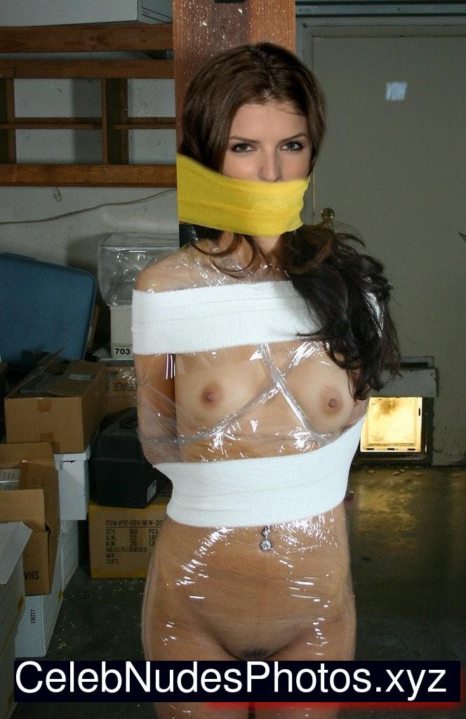 Anna Kendrick Hot Naked Celeb sexy 31