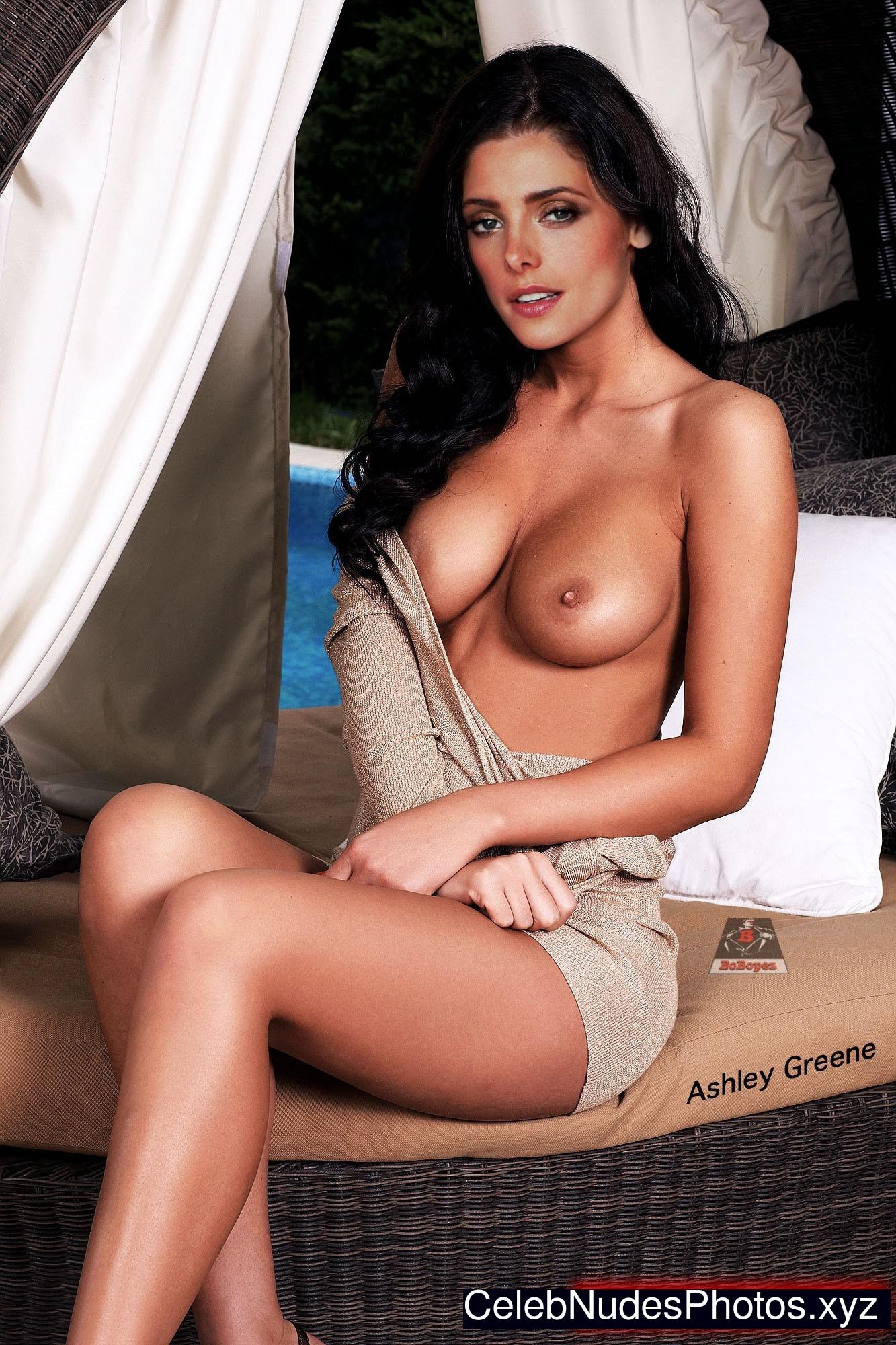 mikayla lace naked face sitting