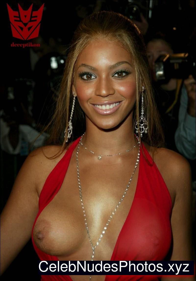 naked black females sticking dildos in them