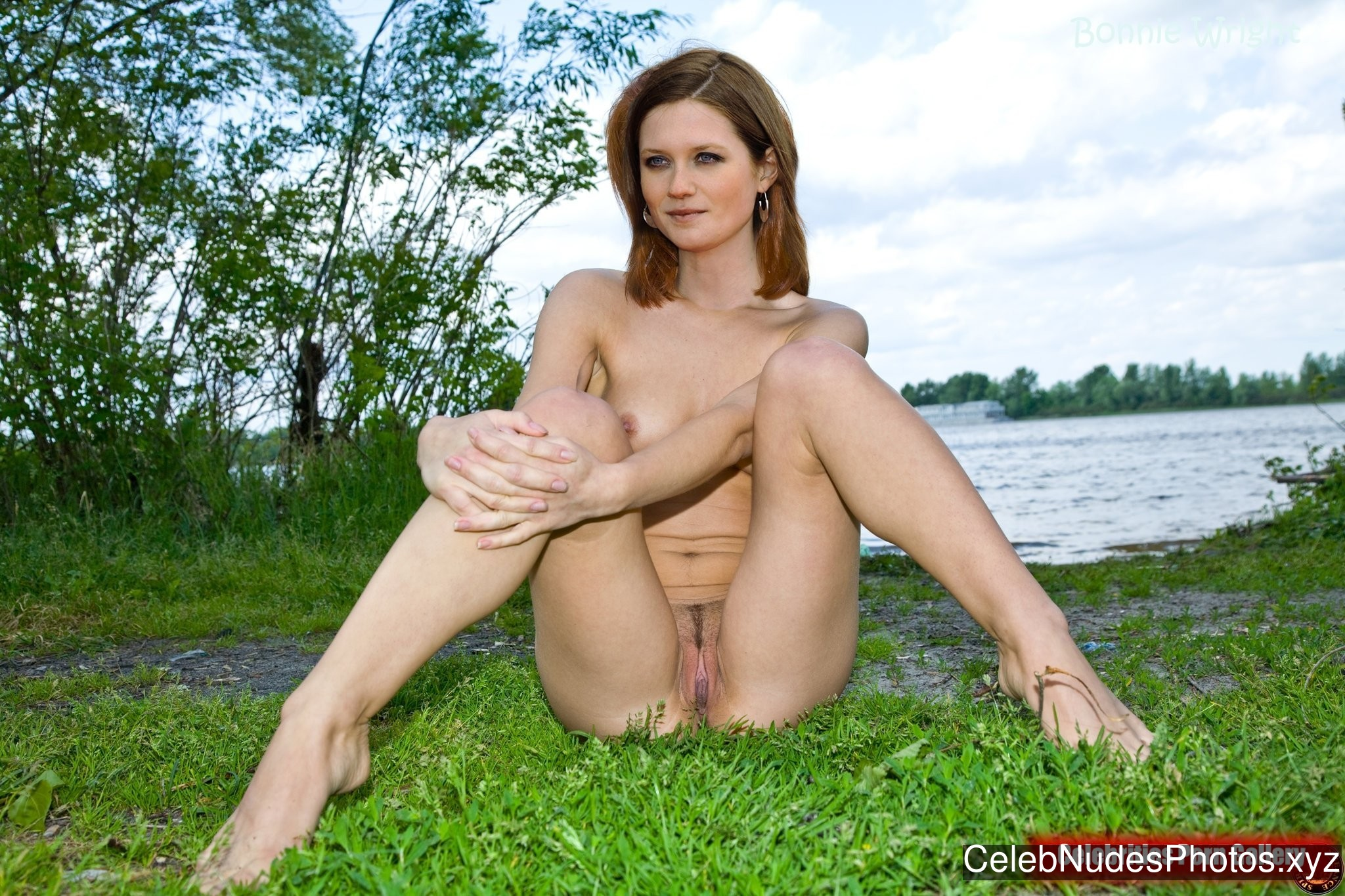 Bonnie Wright Celebrities Naked sexy 8
