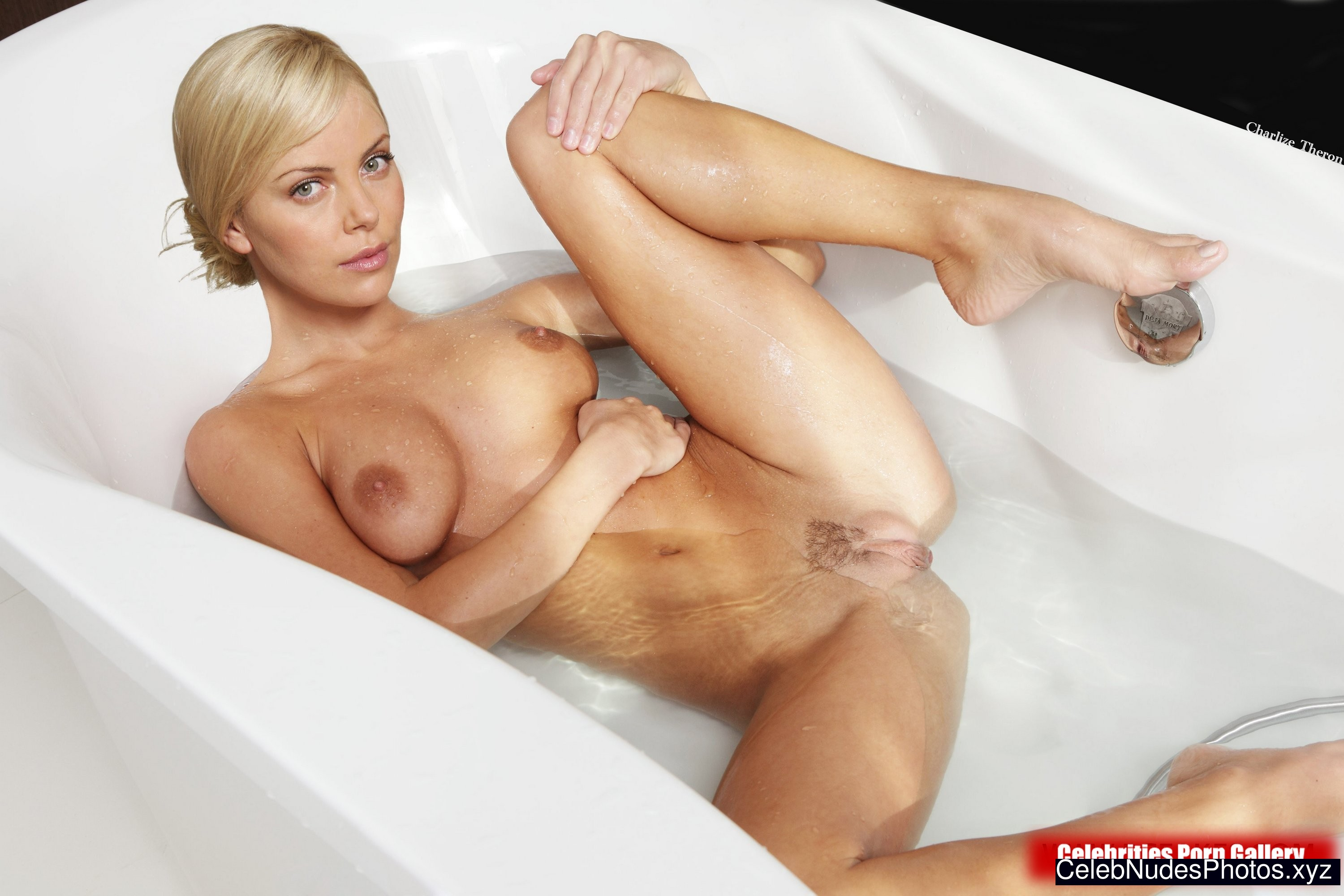 Charlize Theron Celebrity Leaked Nude Photo sexy 4