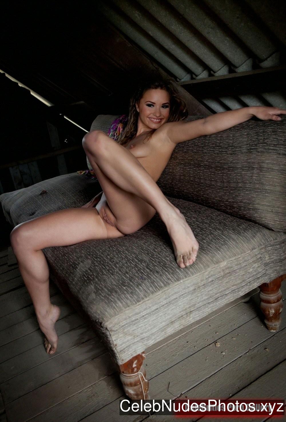 Demi Lovato Nude Celeb Pic sexy 26