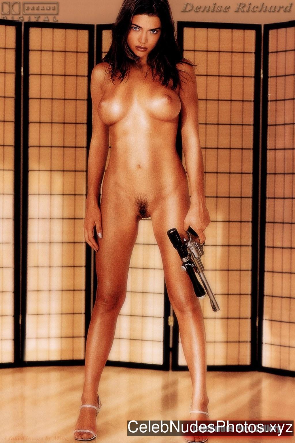 Denise Richards Nude Celeb sexy 16