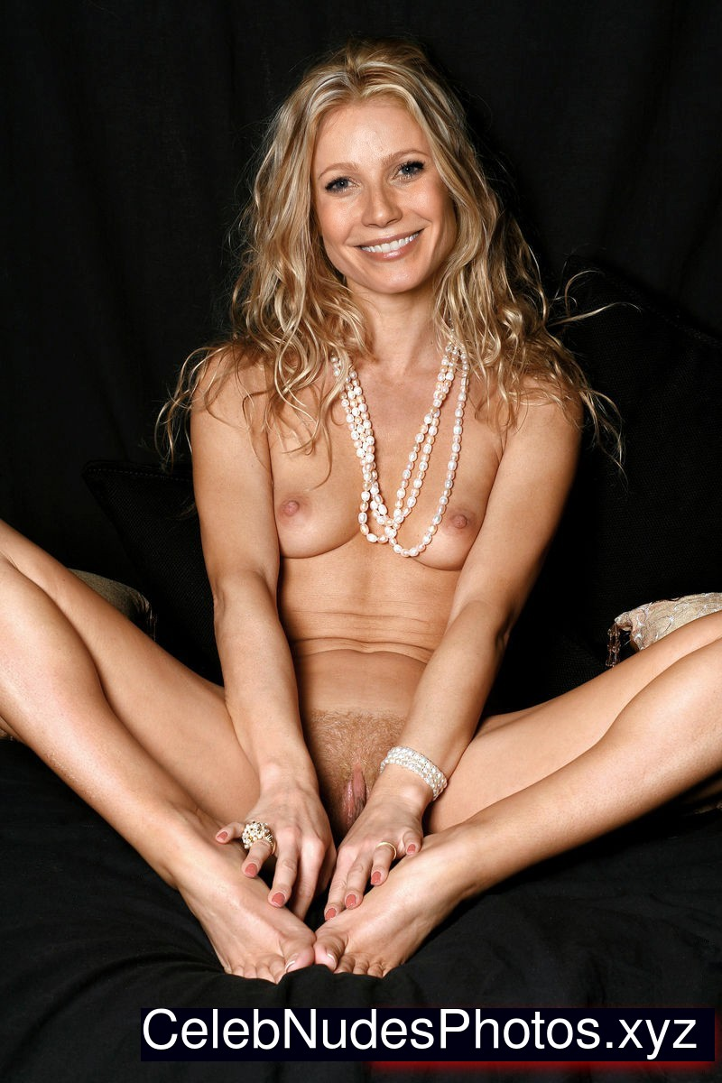 gwyneth naked paltrow jpg 853x1280