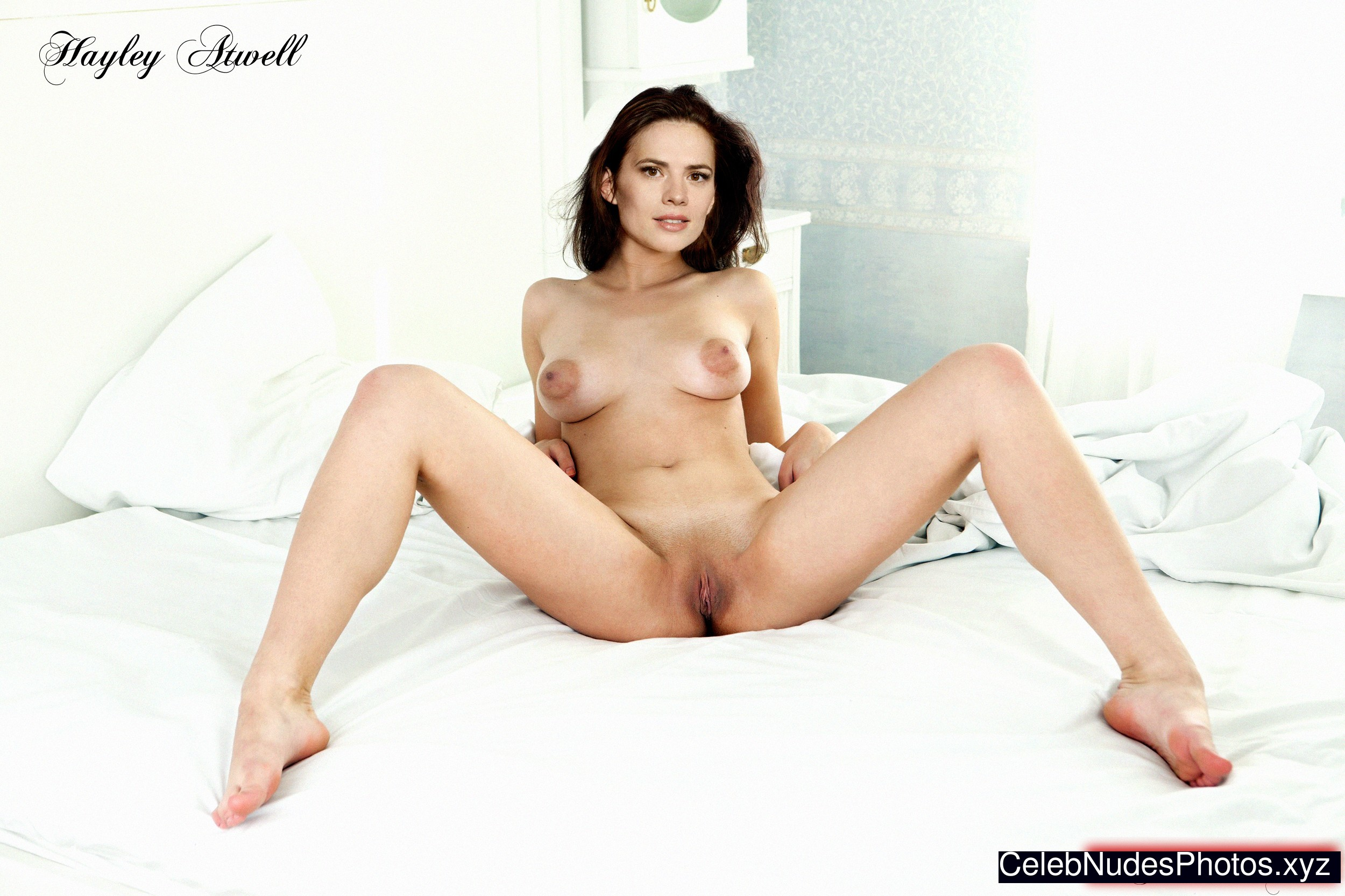 Hayley Atwell Nude Celeb Pic sexy 3