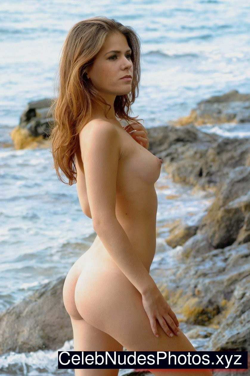 from Chace topless photos of isla fisher