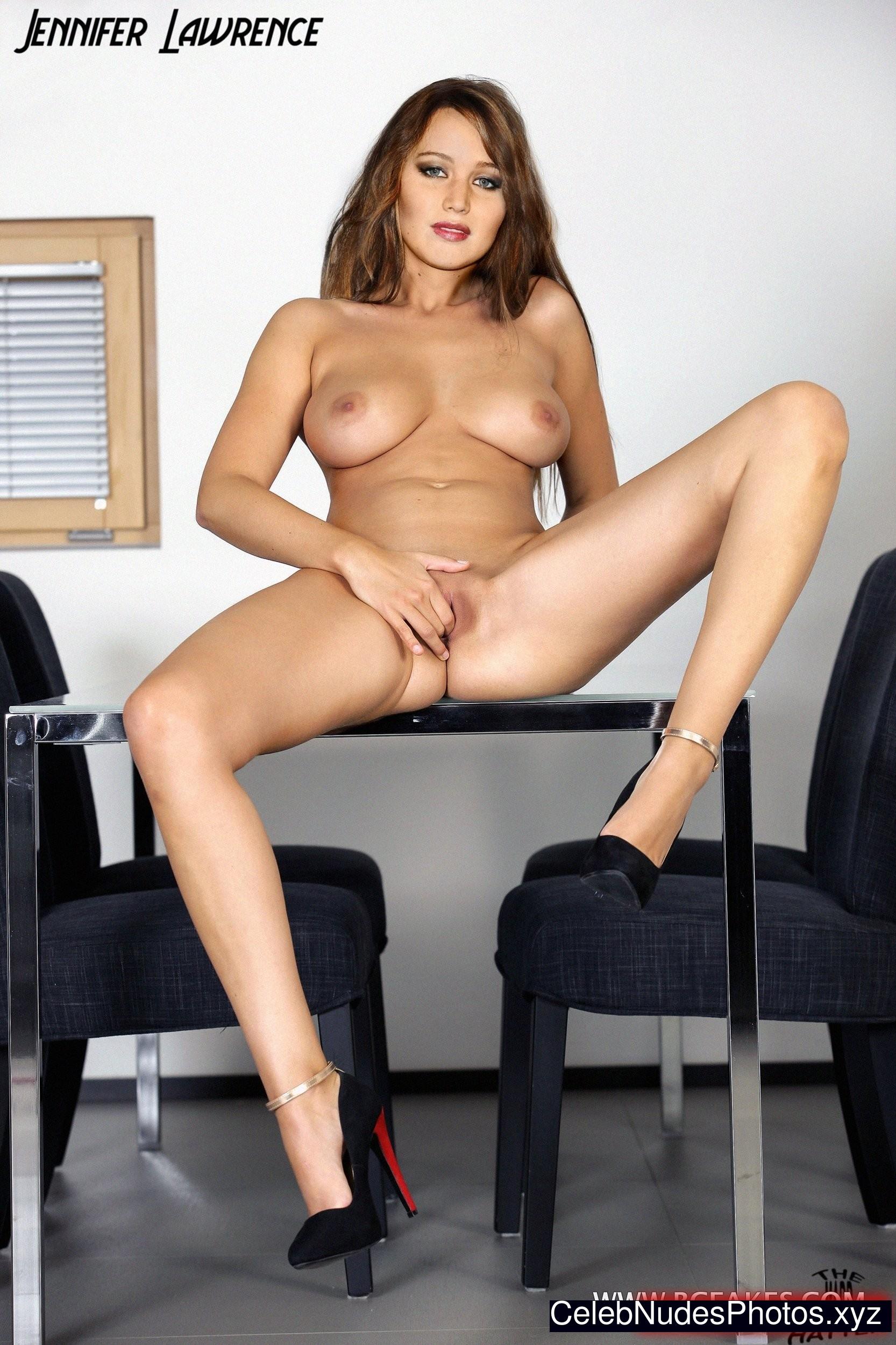 Jennifer Lawrence Nude Celeb Pic sexy 25