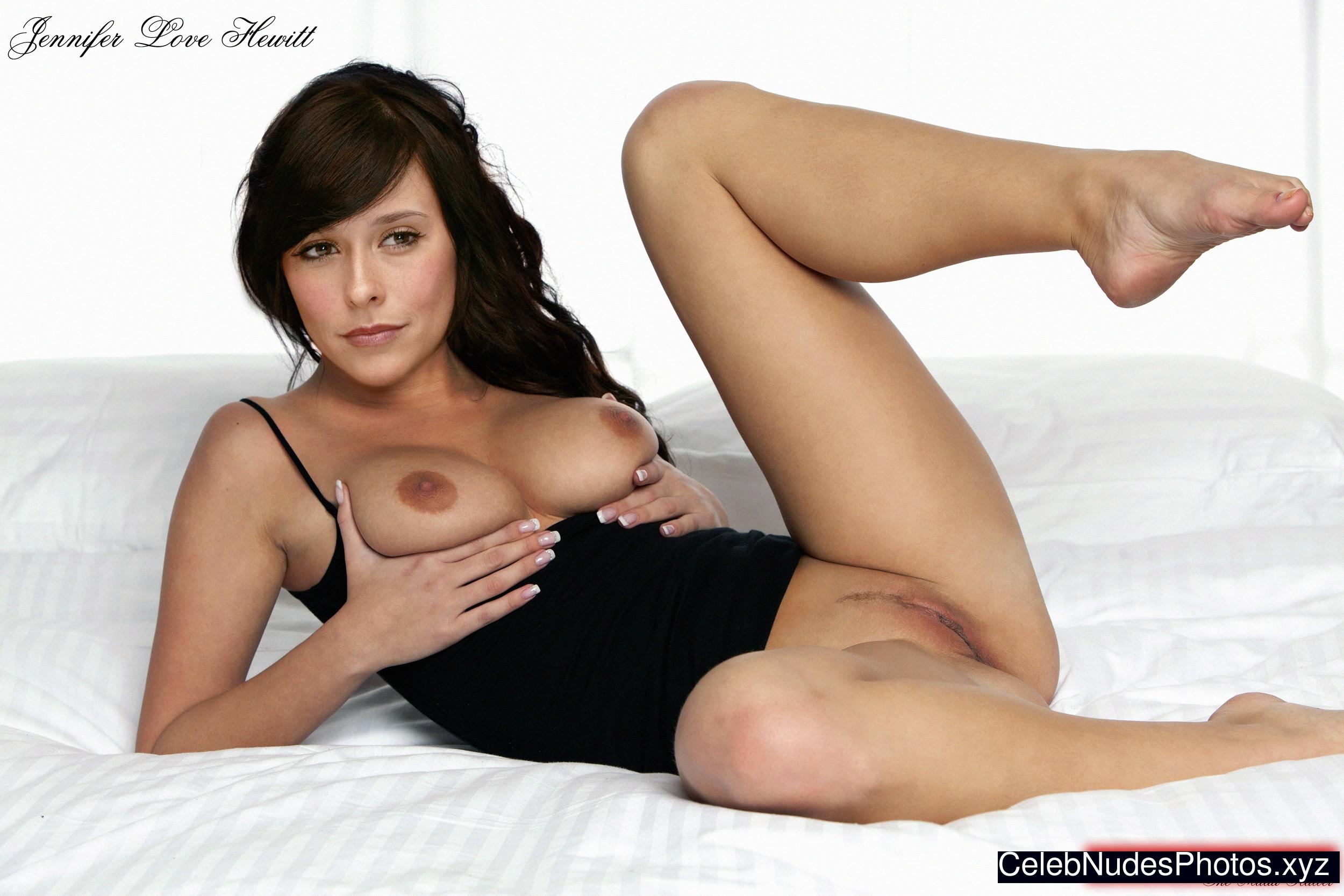 Jennifer Love Hewitt Celeb Nude sexy 20