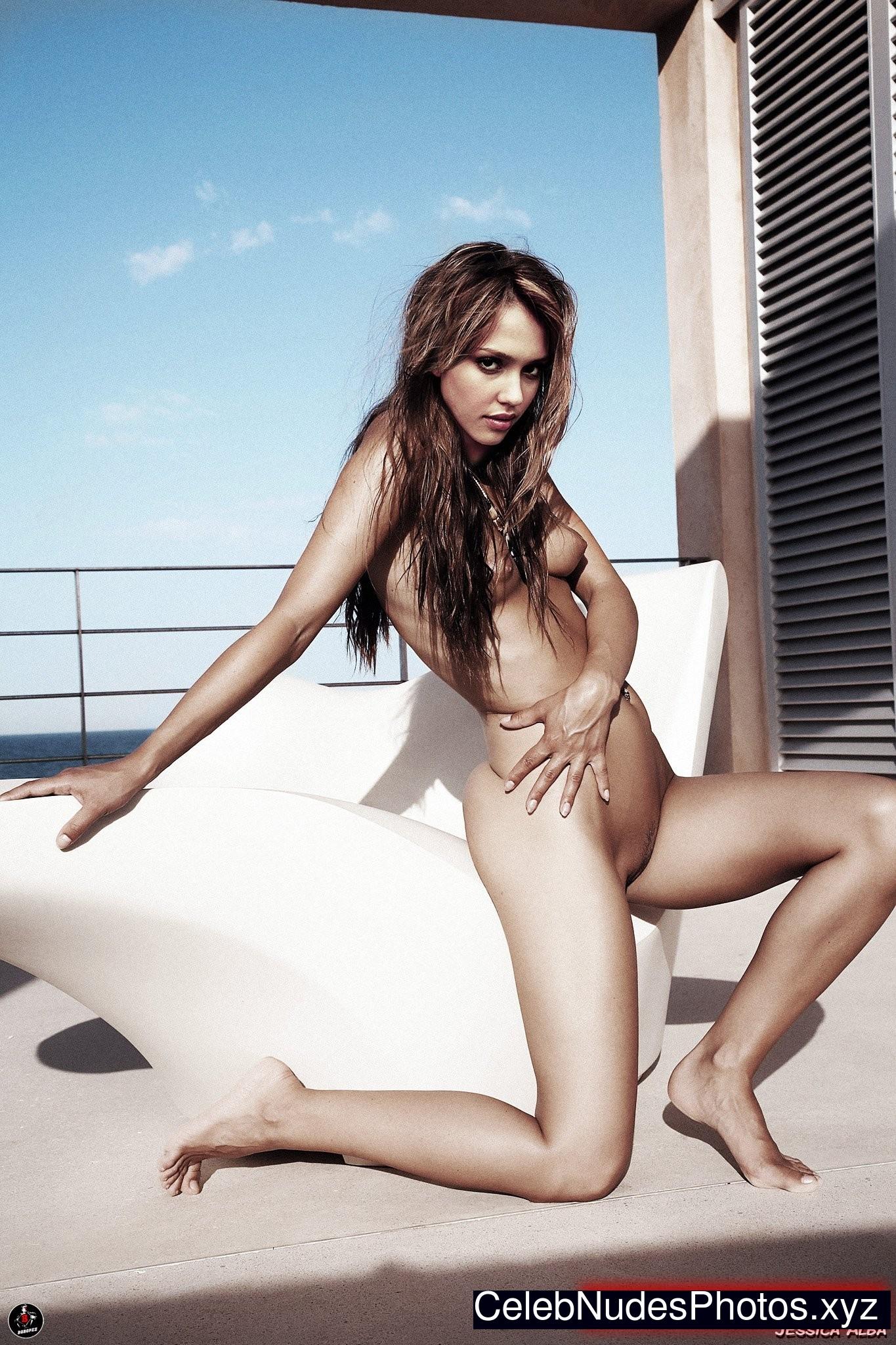 Jessica Alba Real Celebrity Nude sexy 5
