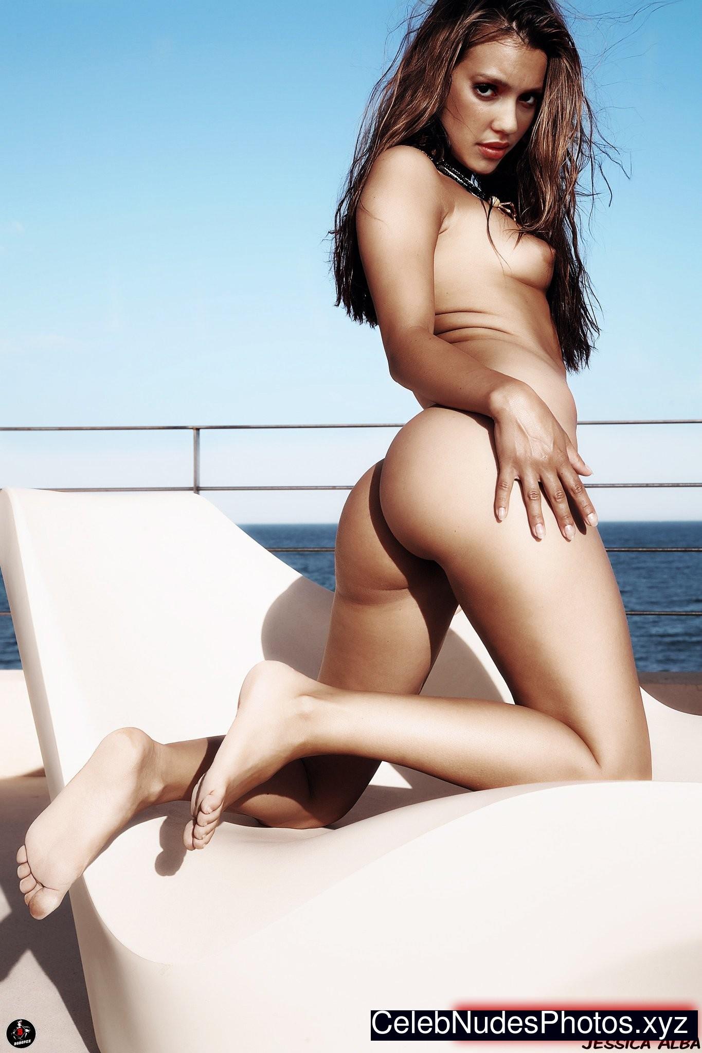 Jessica Alba Famous Nude sexy 6