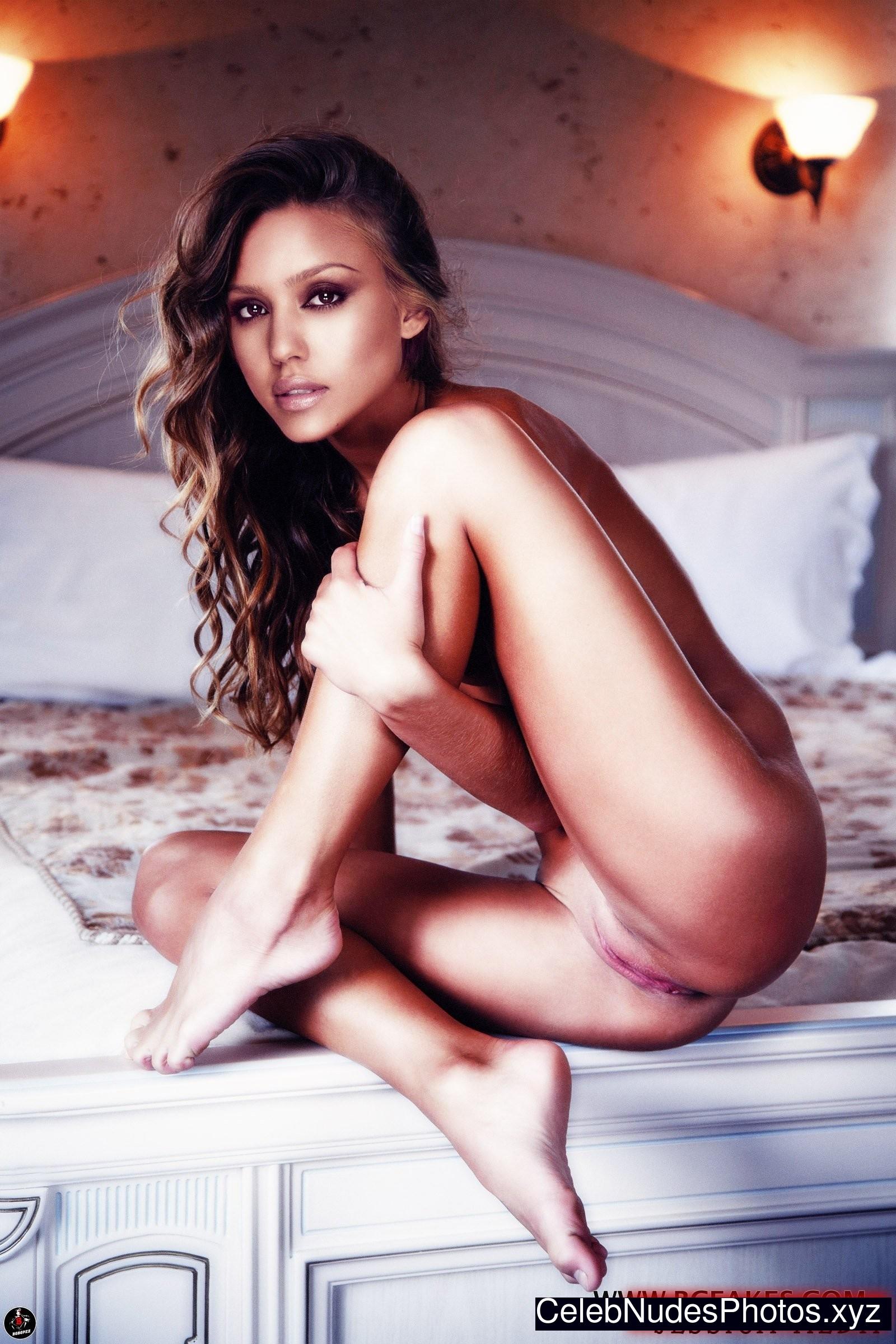 Jessica Alba Hot Naked Celeb sexy 24