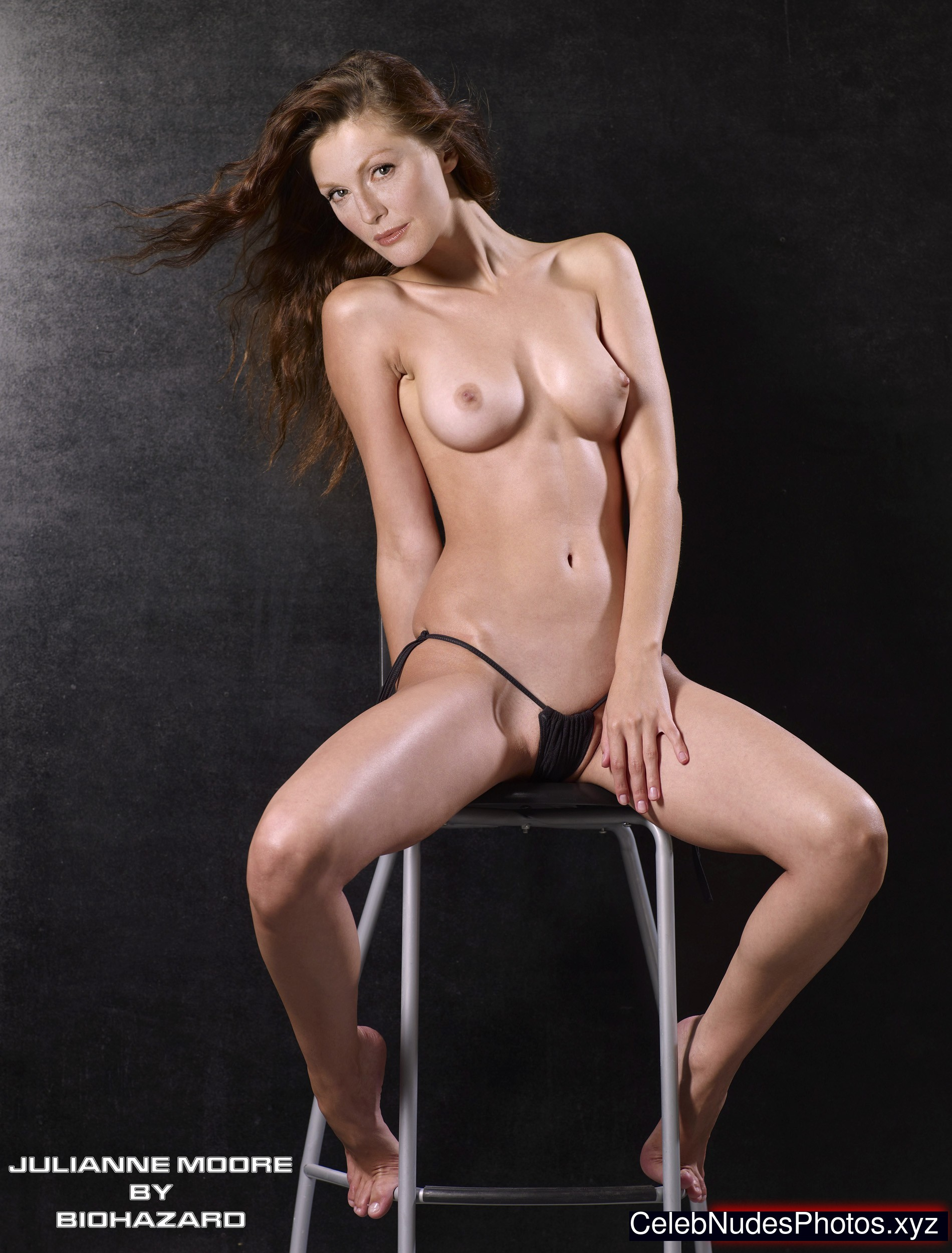 julliane moore young and nude