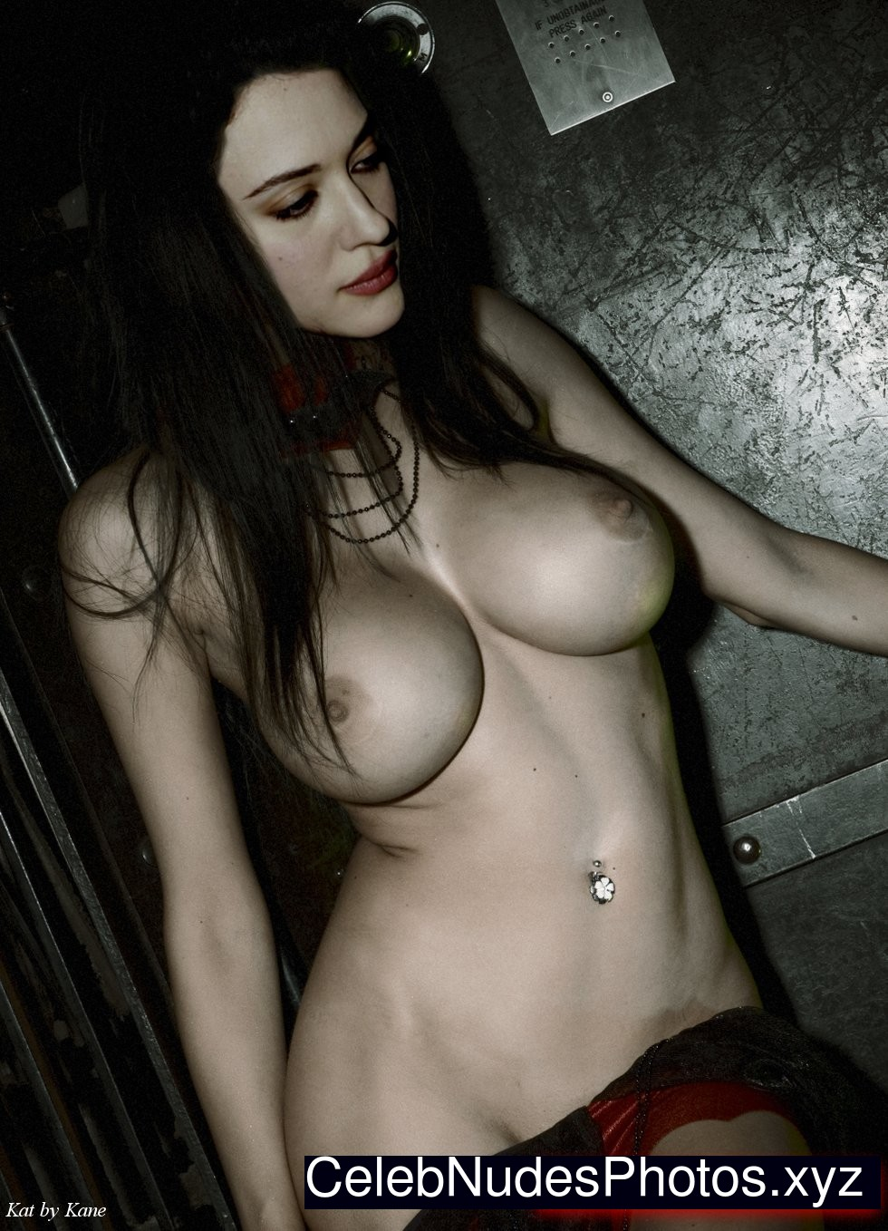 Kat Dennings Celebrity Leaked Nude Photo sexy 3