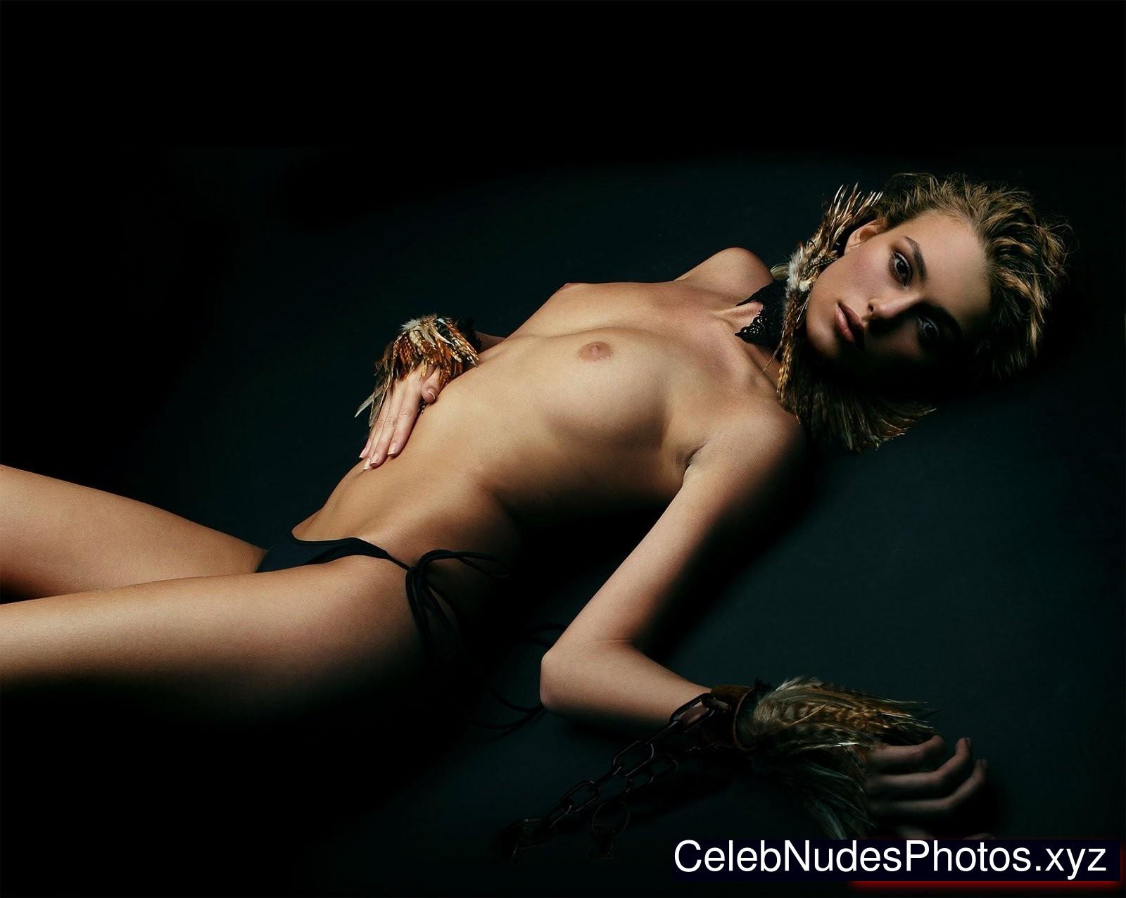 Эро фото кира, Голая Кира Найтли:фото (пляжные, глянец, фейки) 7 фотография