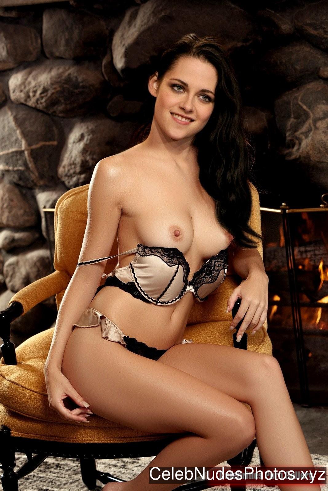 Kristen Stewart Naked Celebrity sexy 15