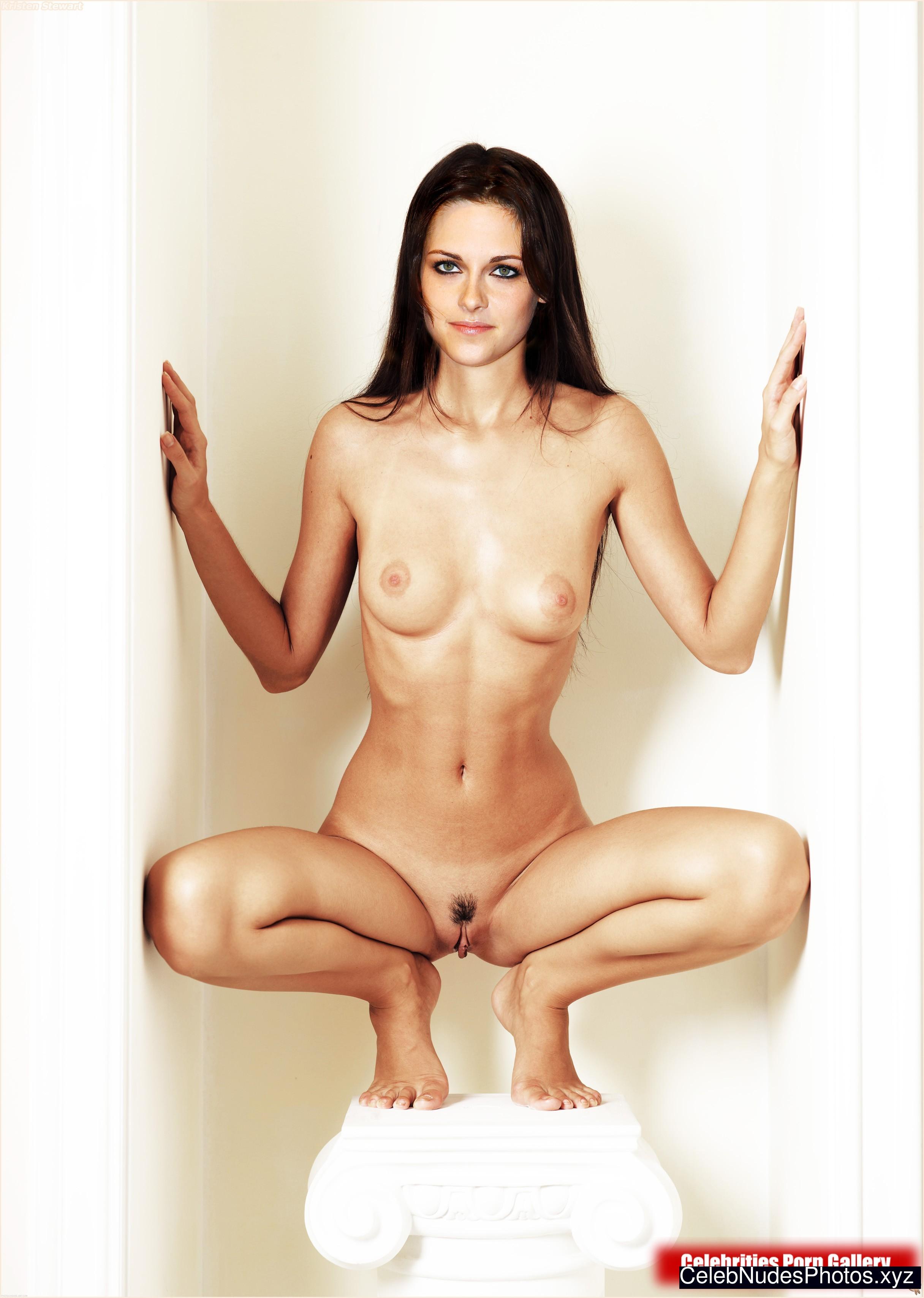 Kristen Stewart Naked Celebrity Pic sexy 15