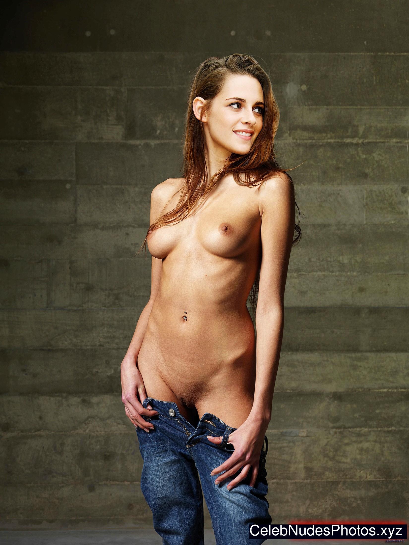 Kristen Stewart Celeb Nude sexy 20
