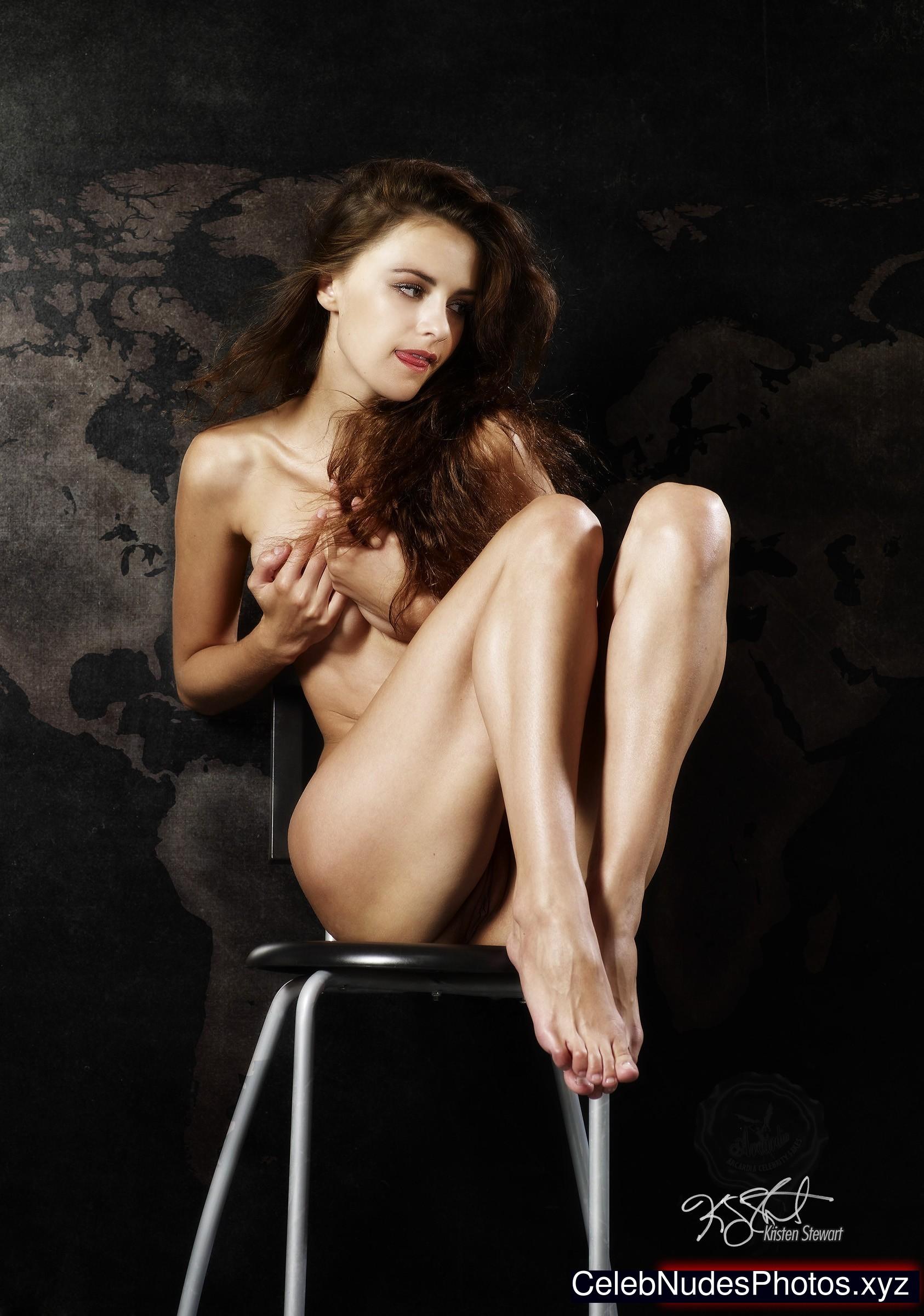 Kristen Stewart Naked celebrity picture sexy 31