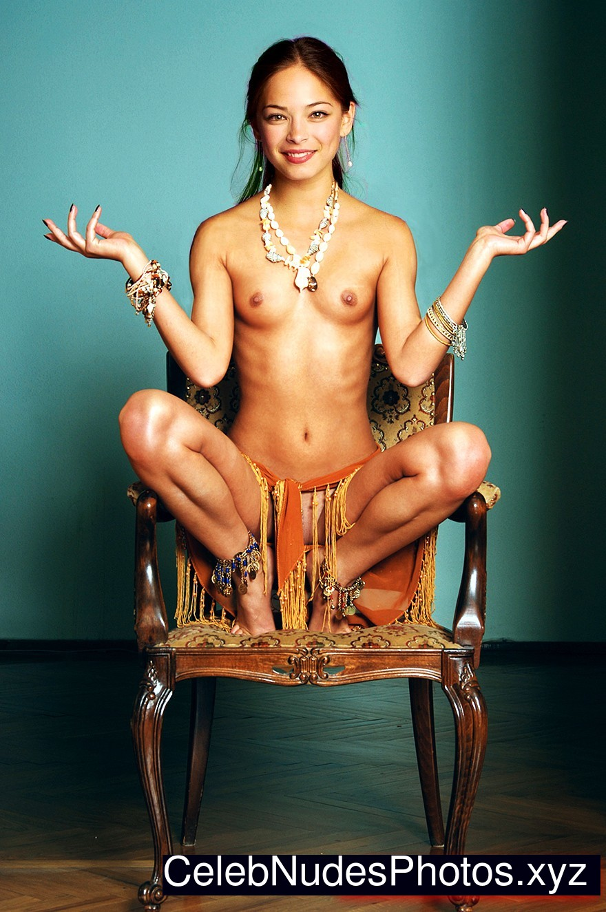 Kristin Kreuk Nude Celeb sexy 31