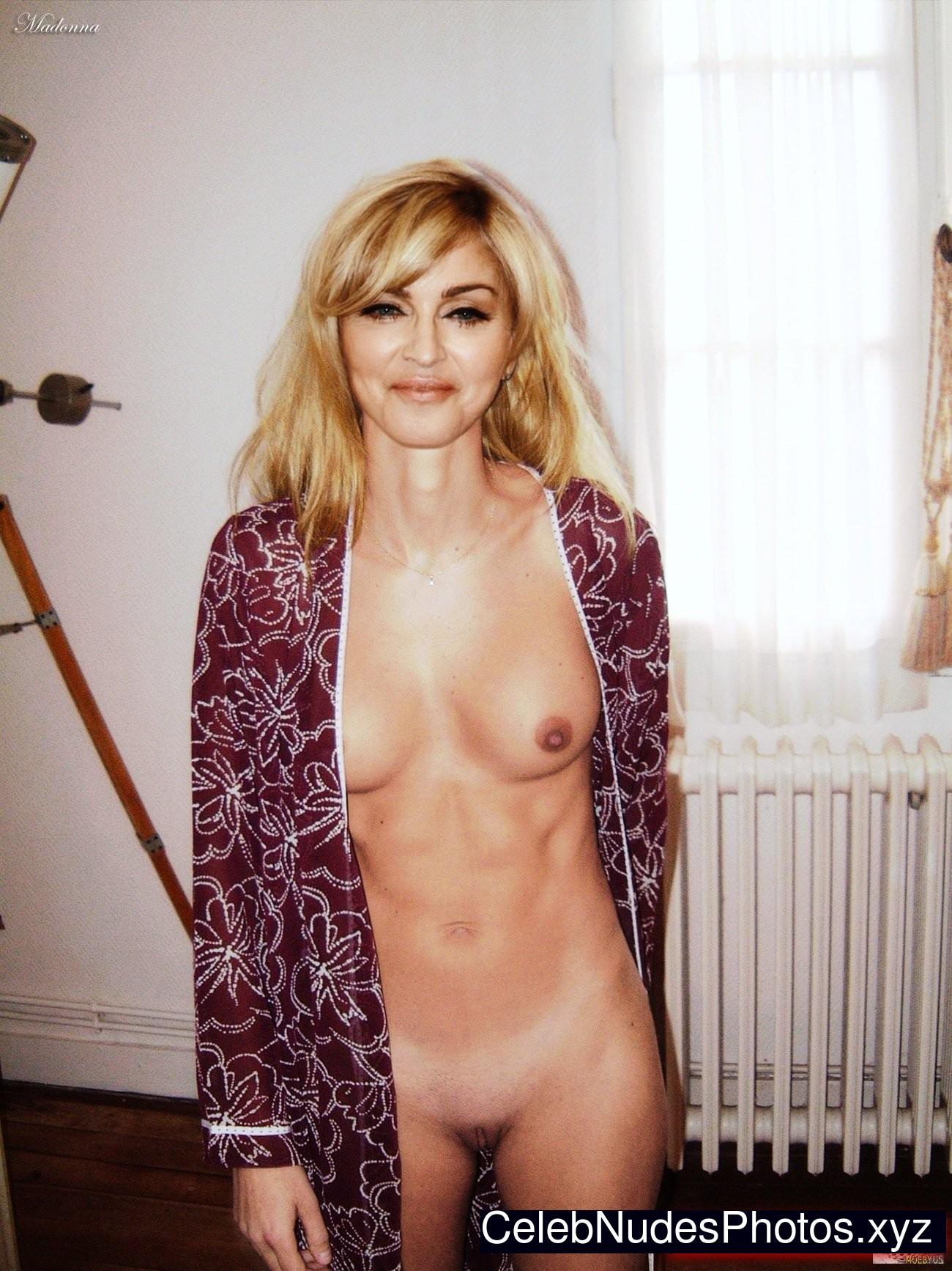 nude celeb pics for free