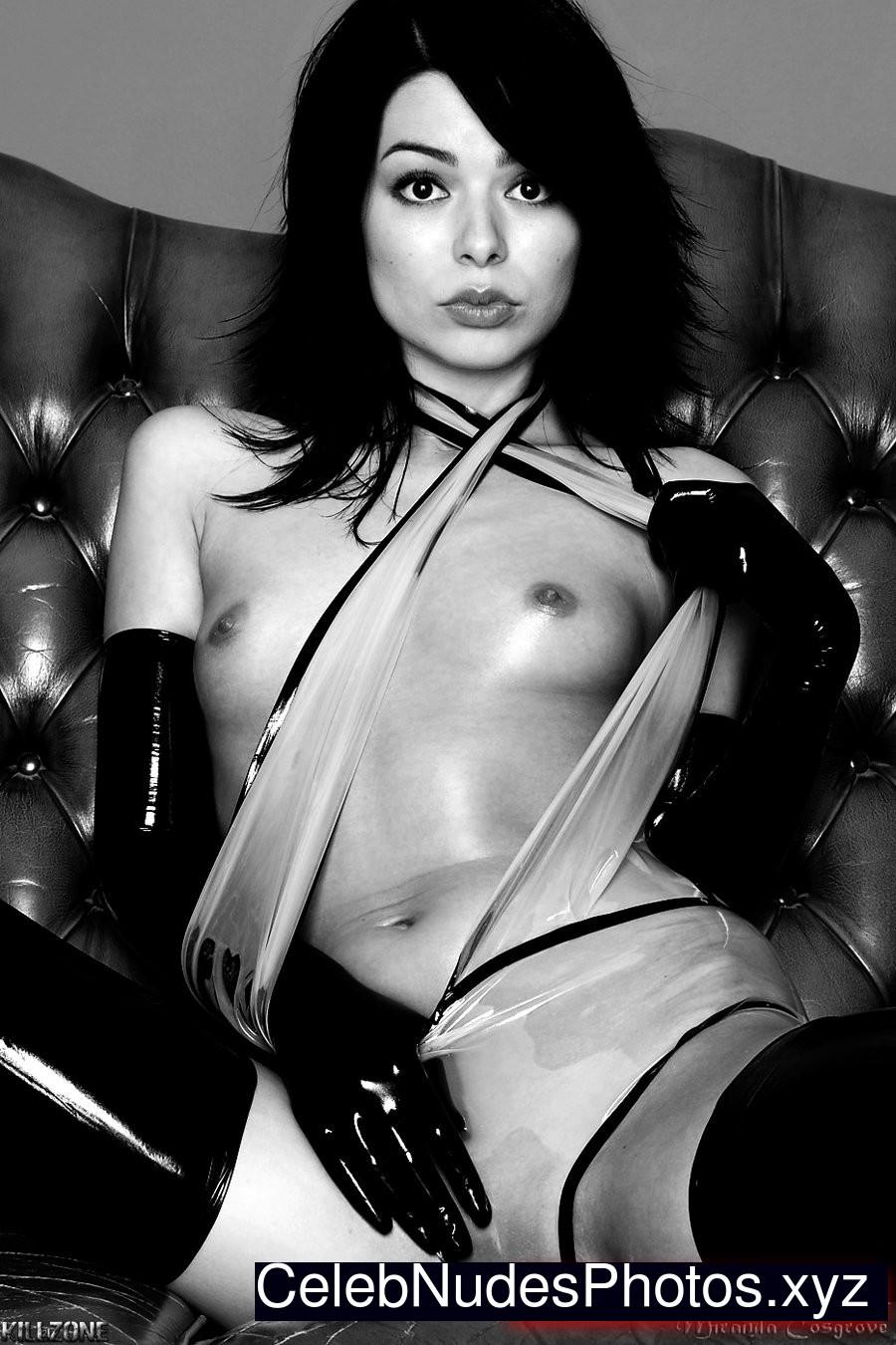 sexiest nudes of miranda cosgrove