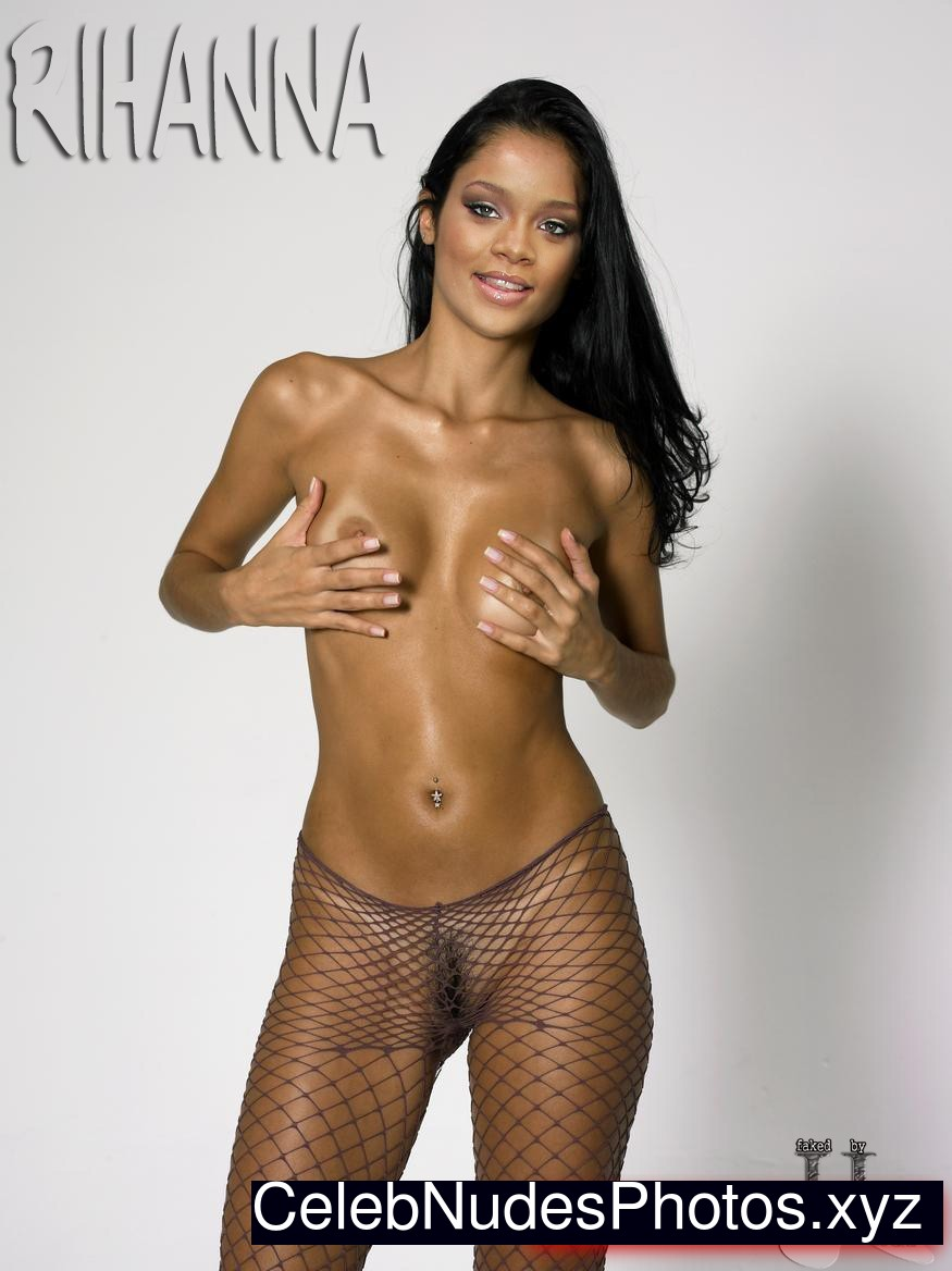 Rihanna Real Celebrity Nude sexy 17