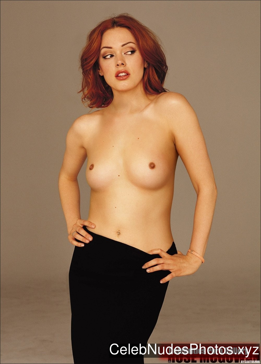 Rose McGowan Famous Nude sexy 26
