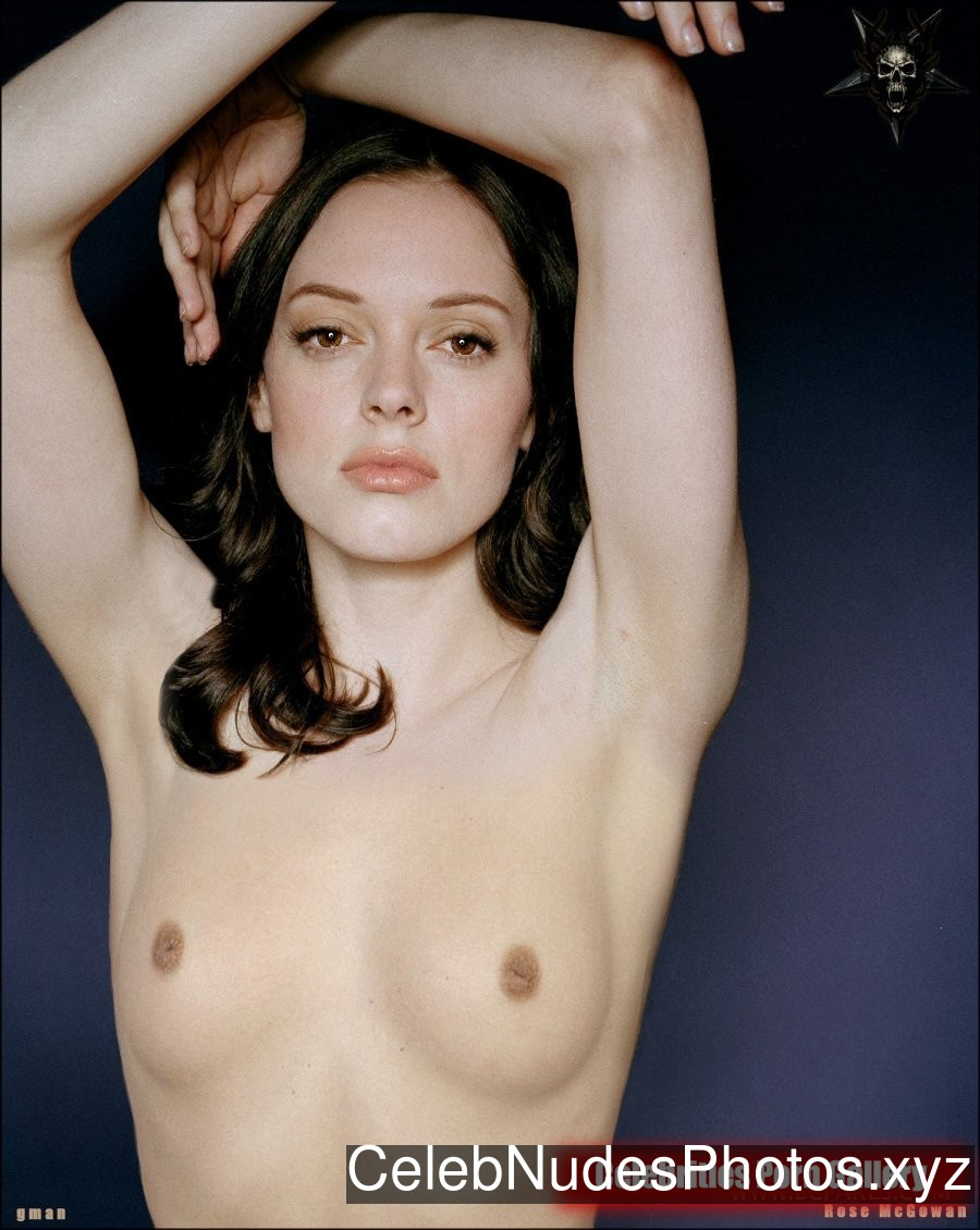 Rose McGowan Famous Nude sexy 31