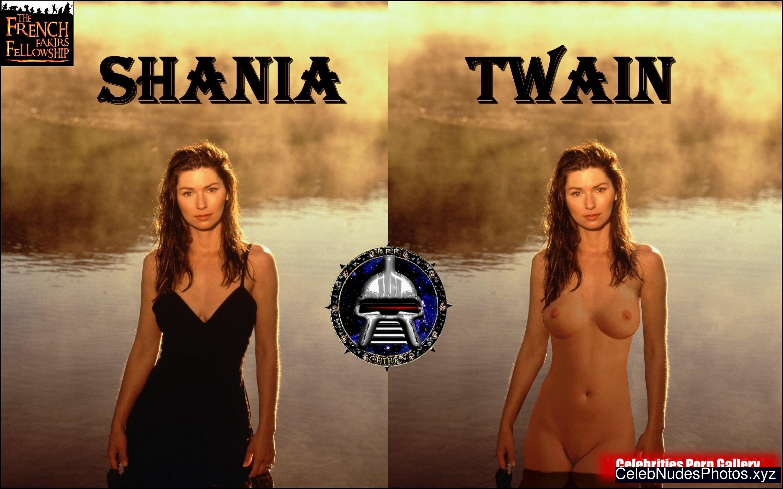 Shaniatwain Nude 10