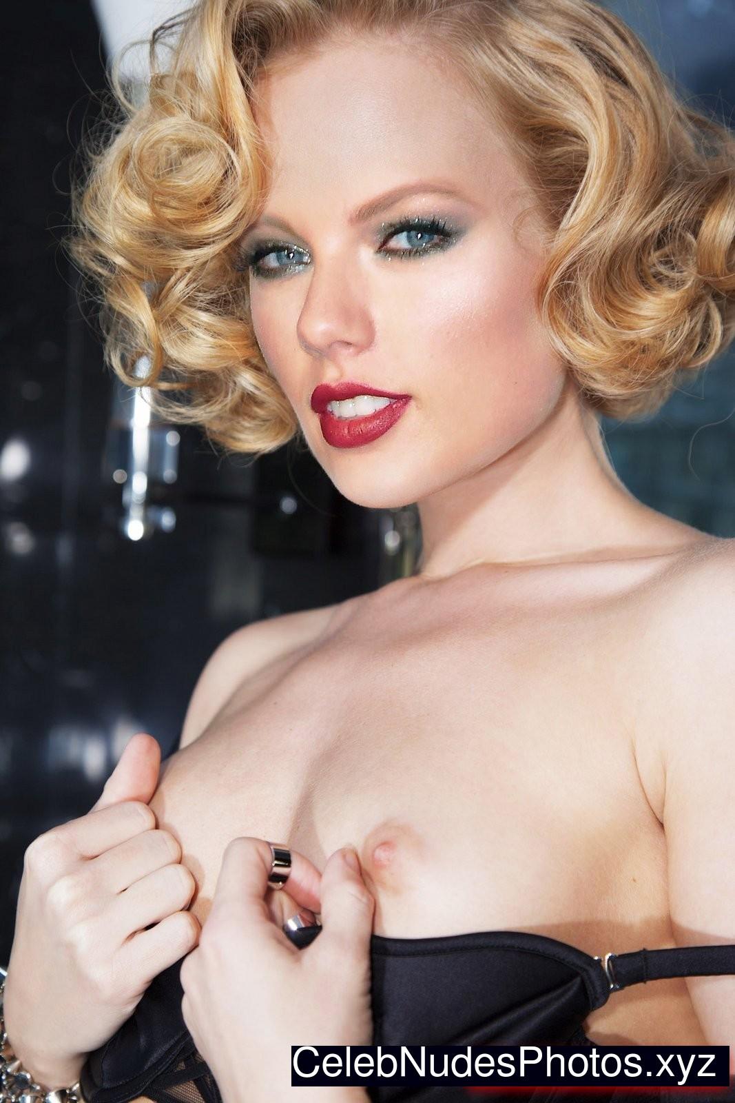 T Swift naked celebrity pics