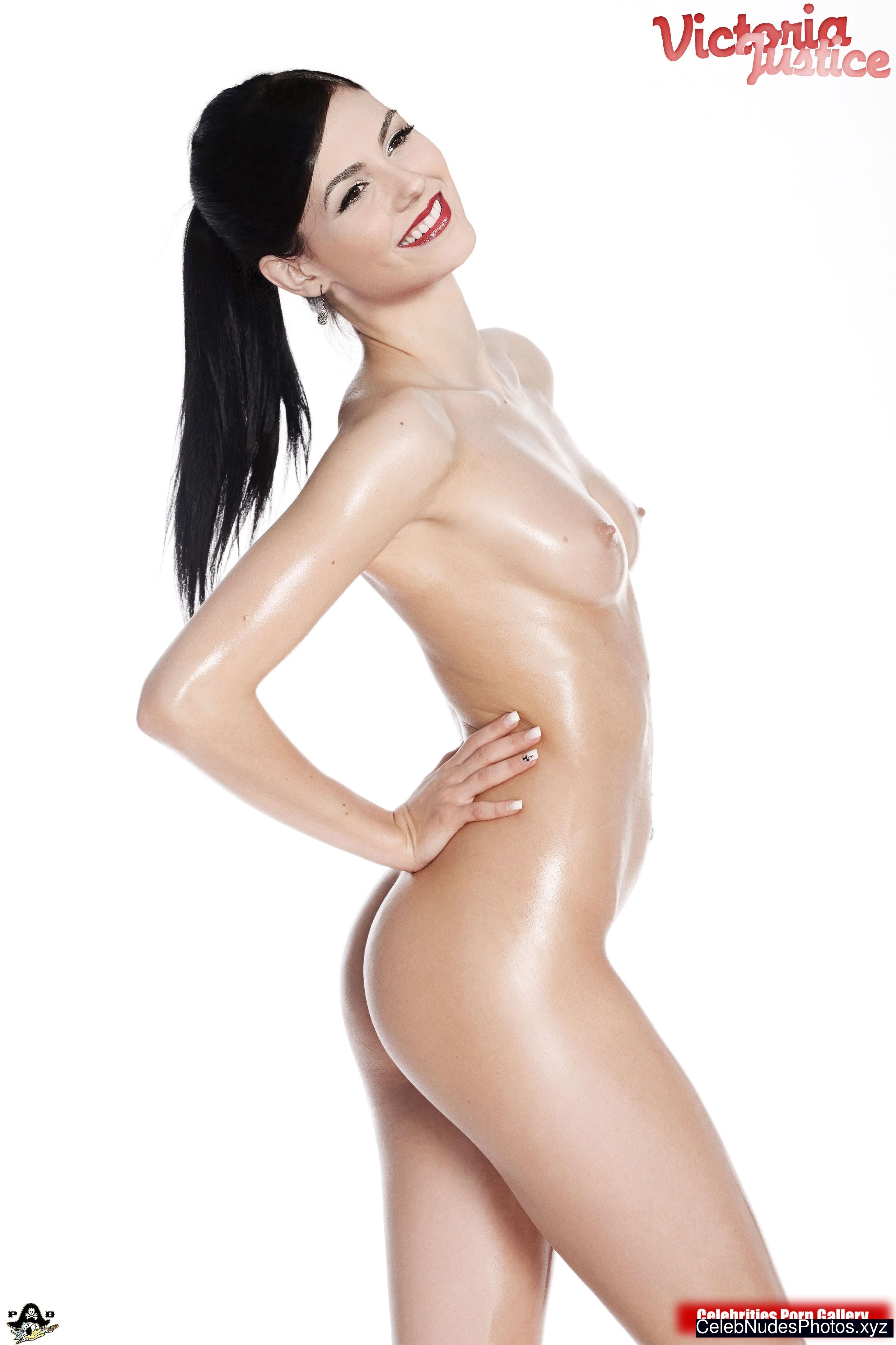 Victoria Justice Celeb Nude sexy 2