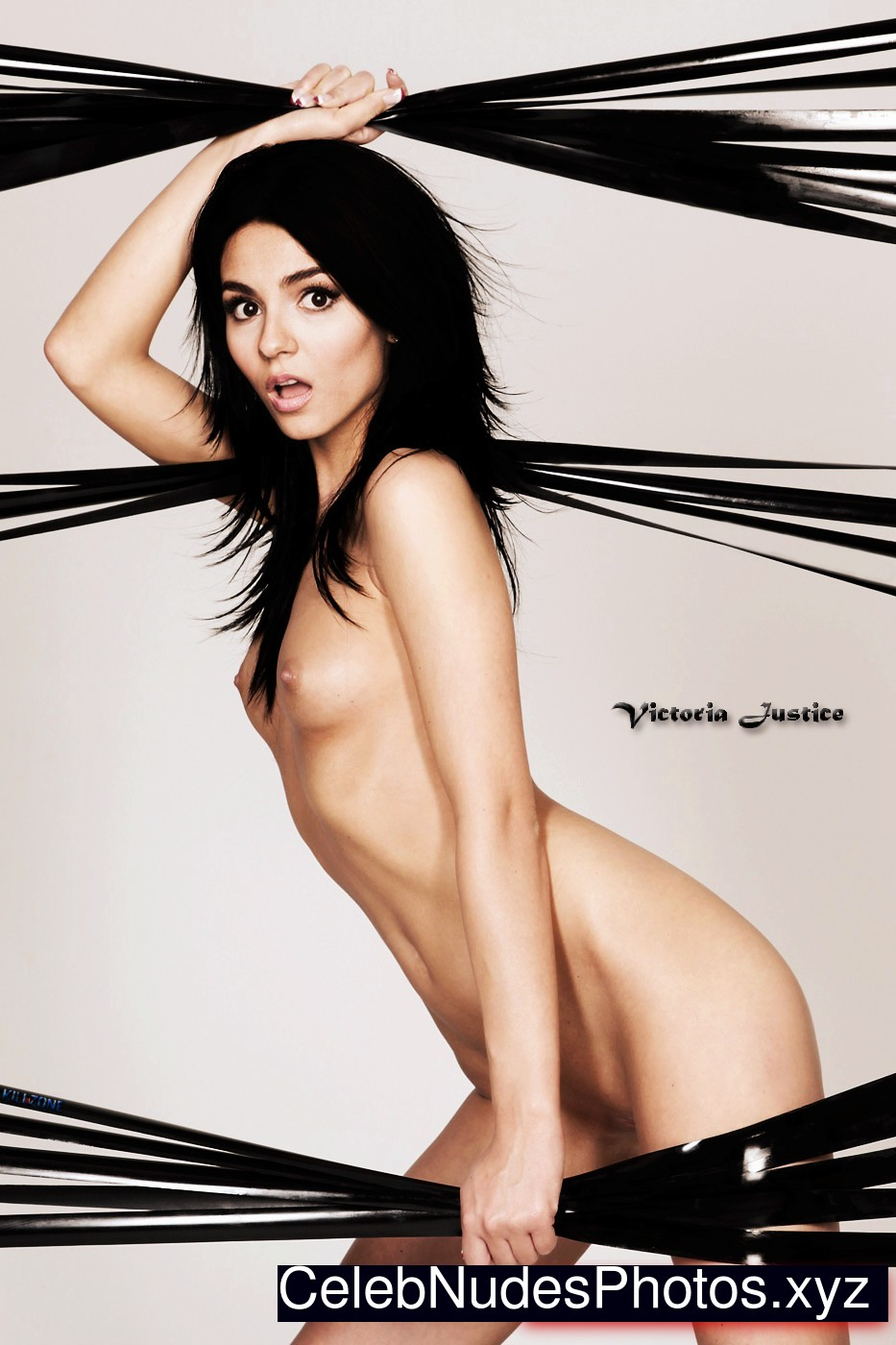 Victoria Justice Naked Celebrity Pic sexy 3