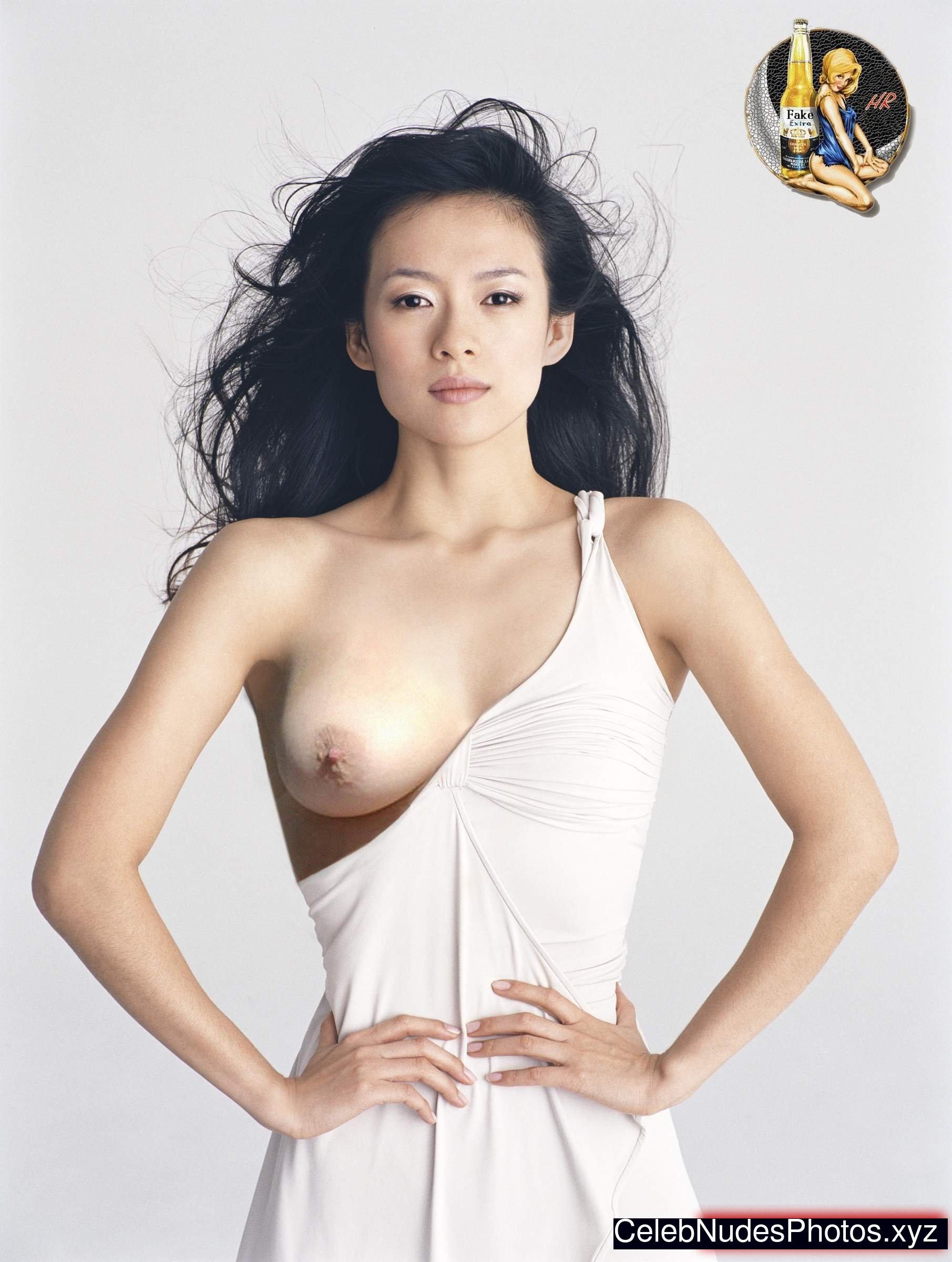 Homemade amateur mature wife nude