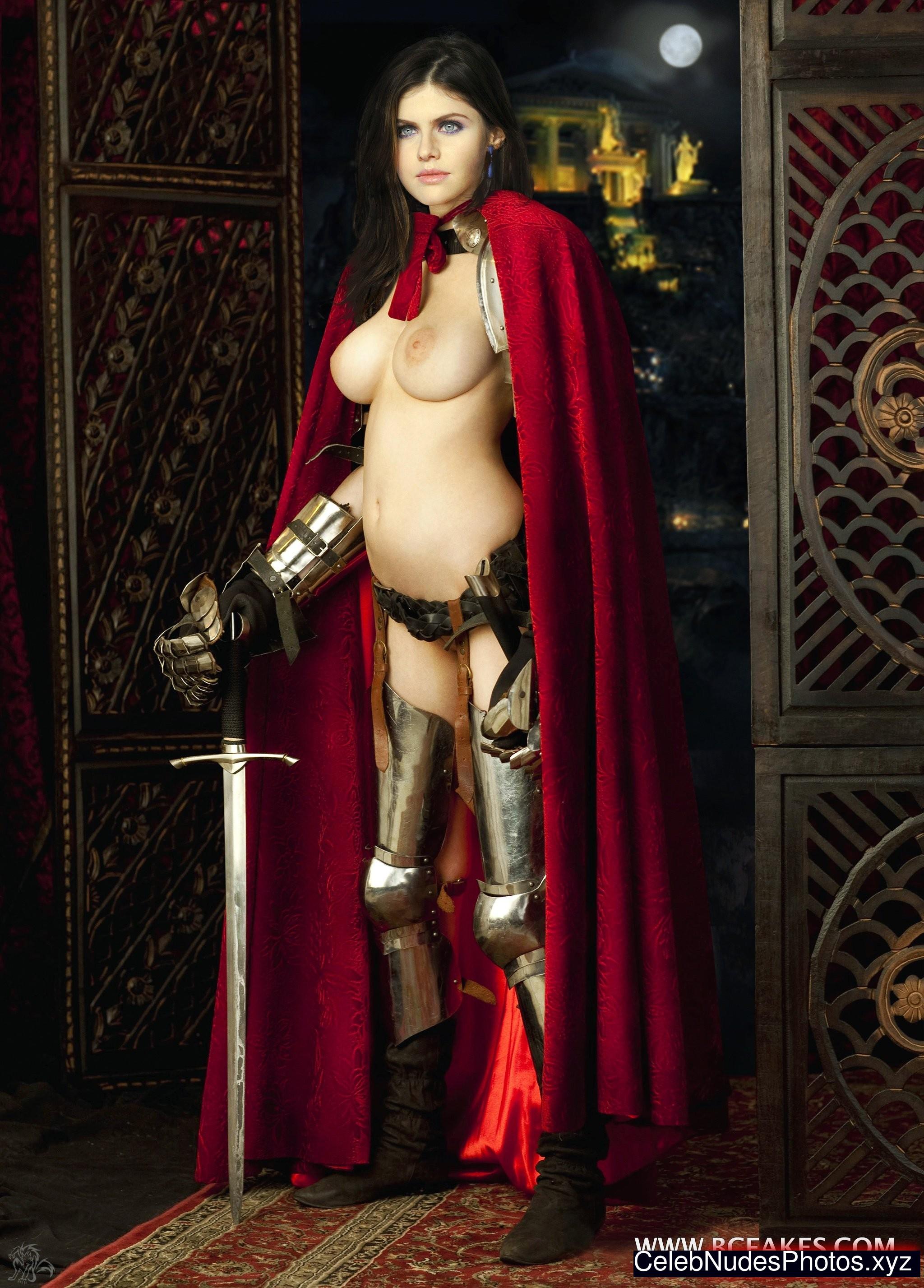 Alexandra Daddario nude celeb