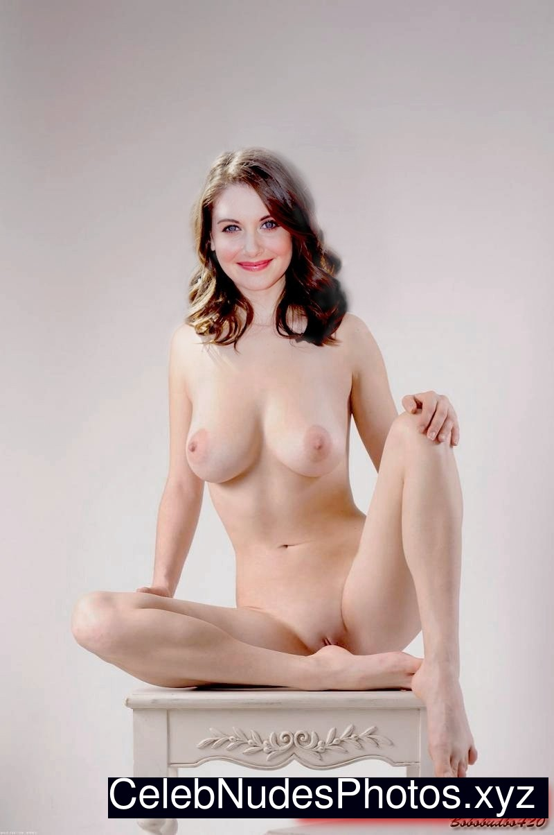 Alison Brie nude celebs