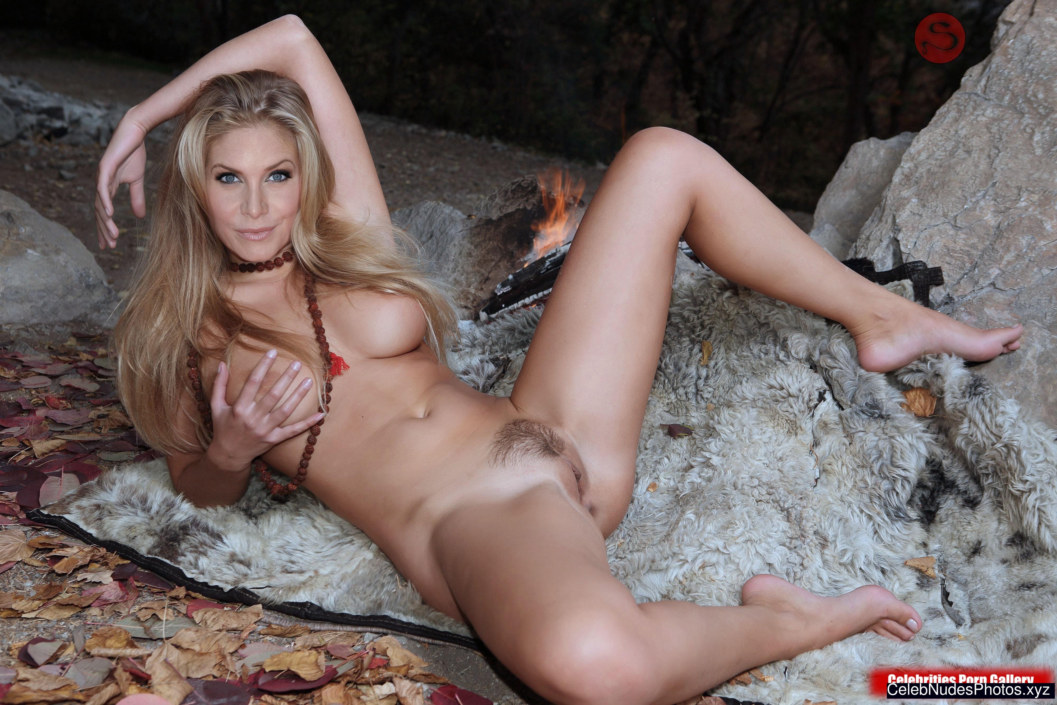 Elizabeth Mitchell nude celebs