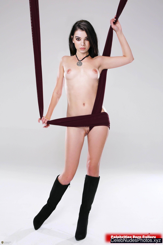 Hailee Steinfeld celeb nude