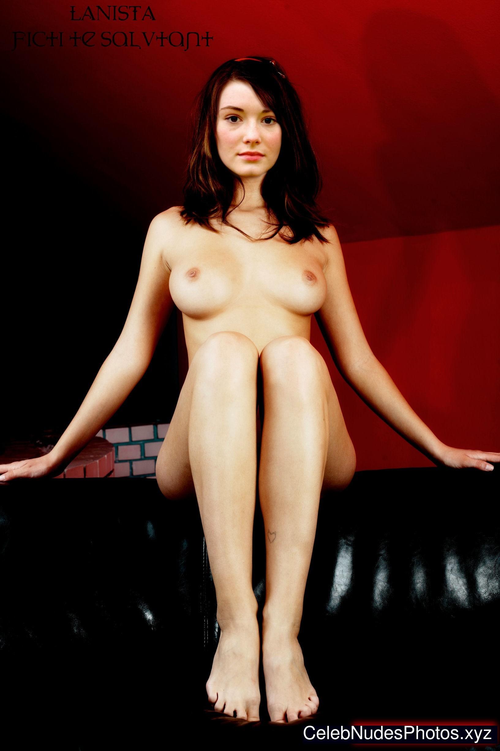 Maria Ehrich nude