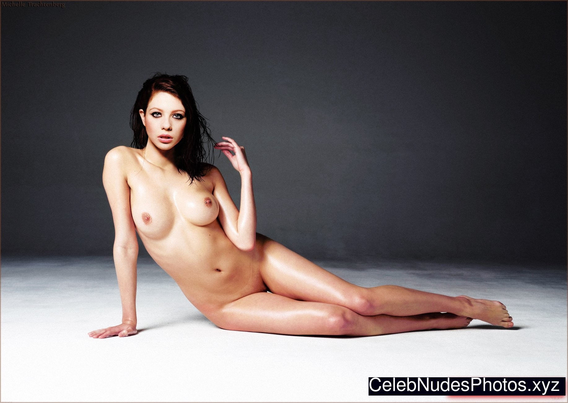 Michelle Trachtenberg naked celebrities