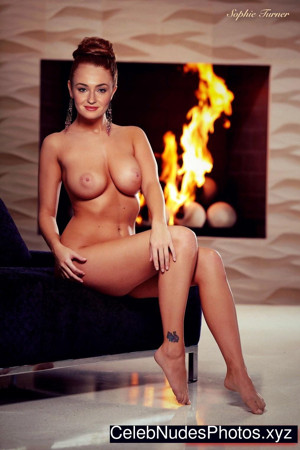 Sophie Turner naked