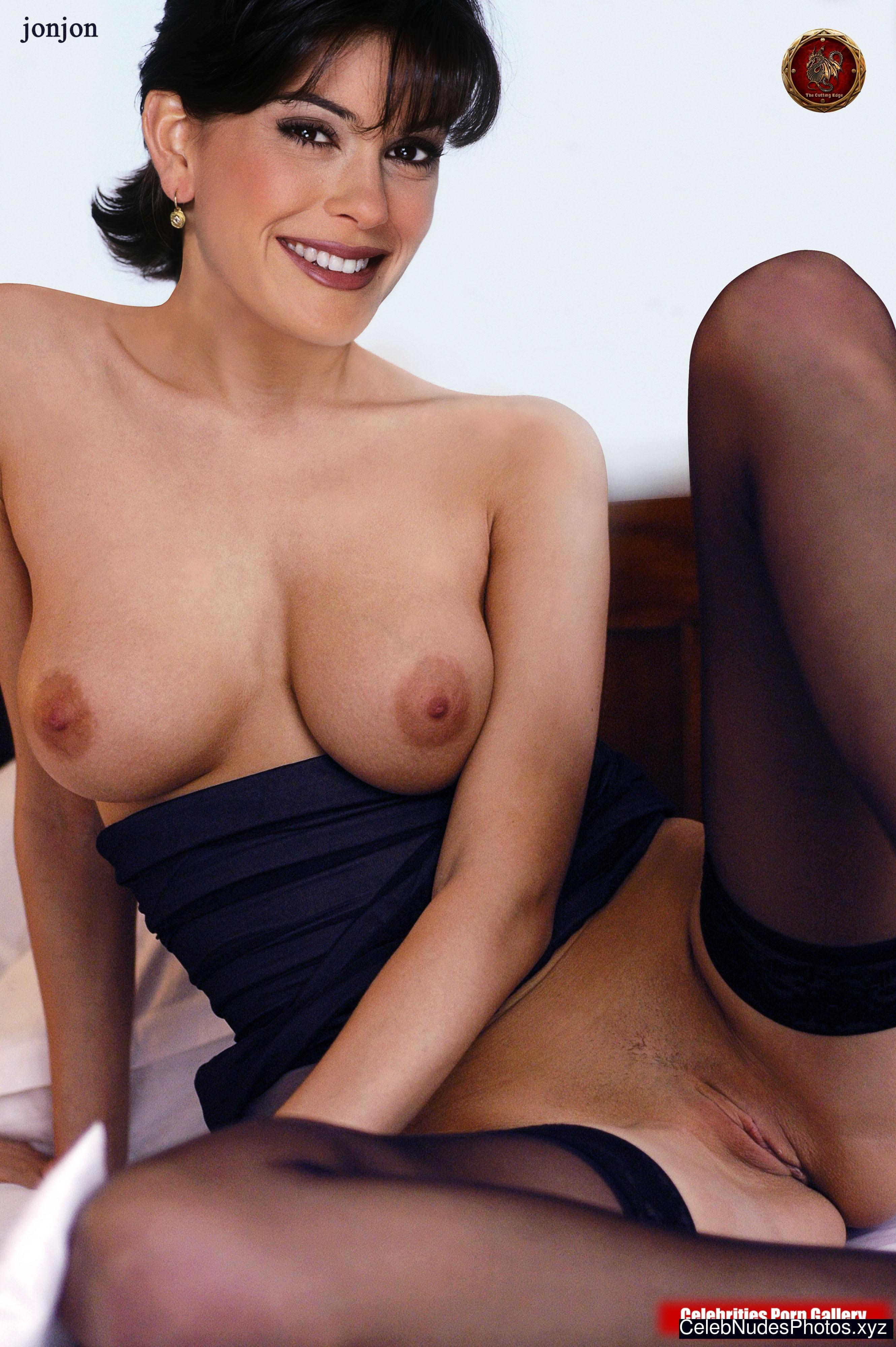 Teri Hatcher naked celebrity