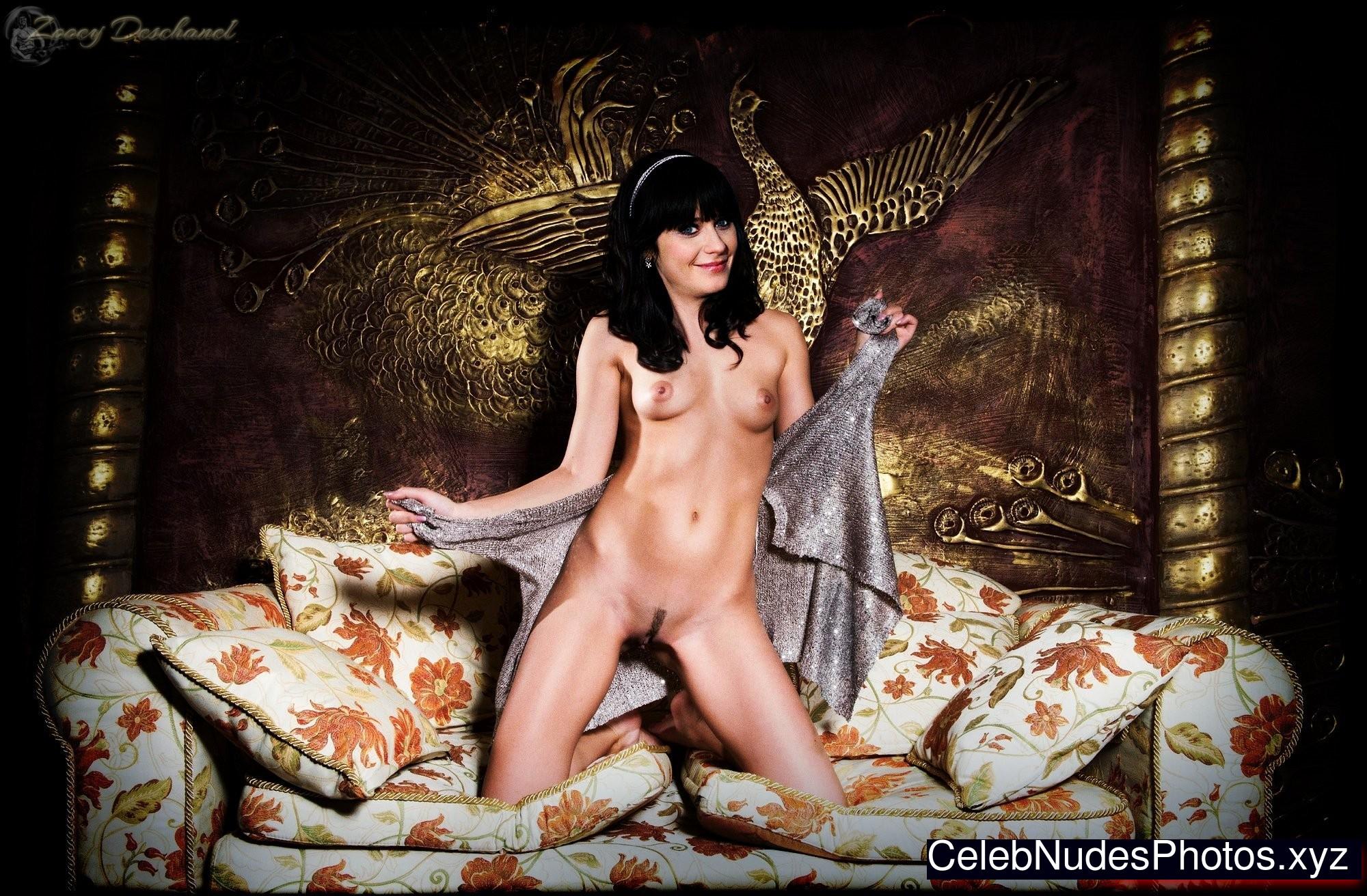 Zooey Deschanel celeb nude