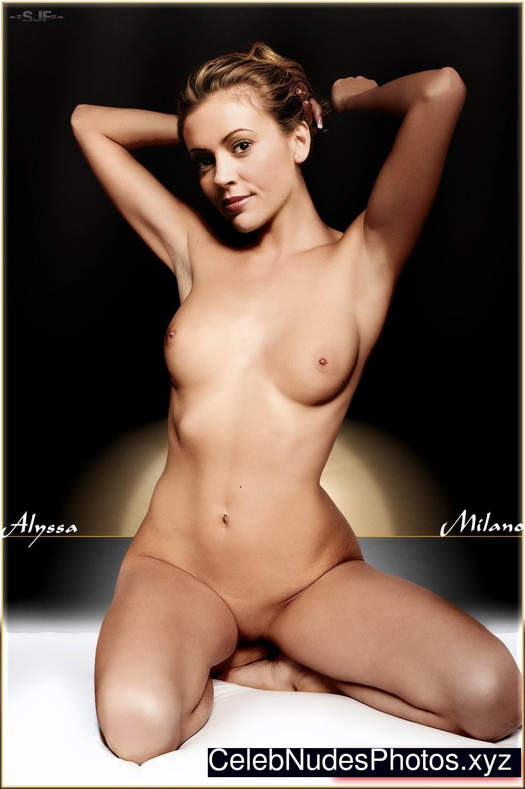 nude photos of alyssa milano